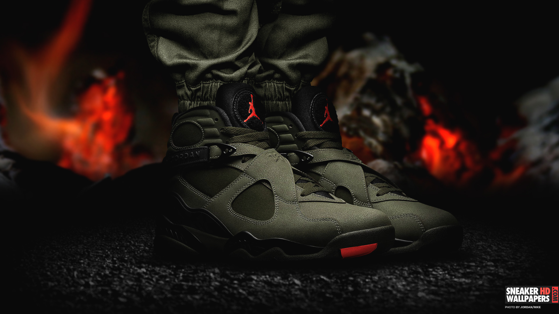 Air-Jordan-8-Retro-Card-Aqua-Sneaker