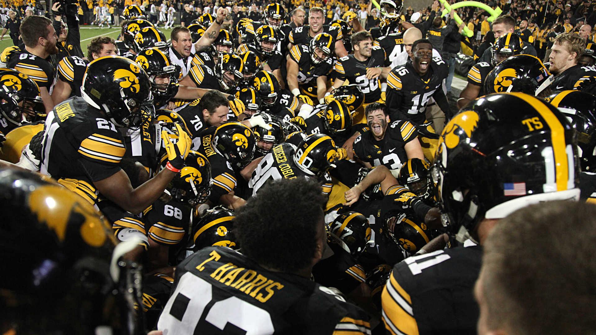 Iowa, Kirk Ferentz find QB, leader they need in C.J. Beathard   NCAA  Football   Sporting News