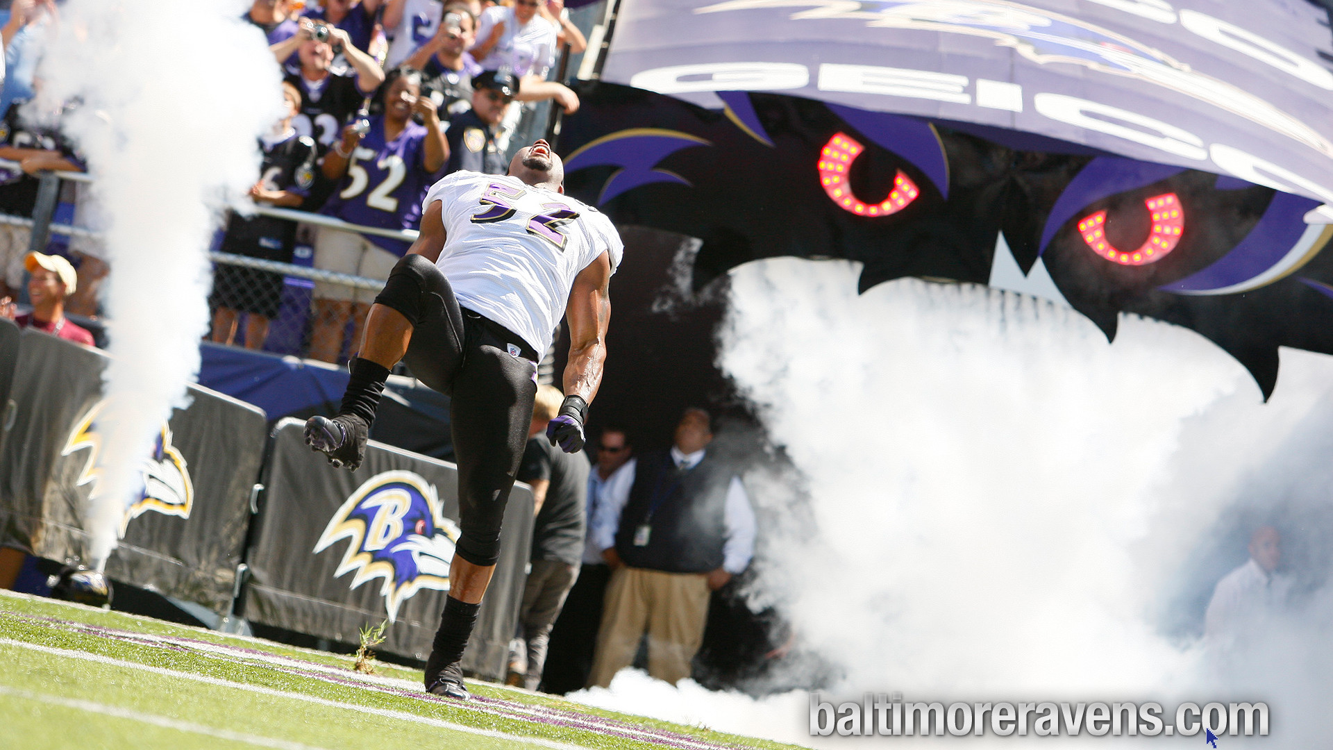 Ray Lewis: Locker room after last victory as a Raven – YouTube