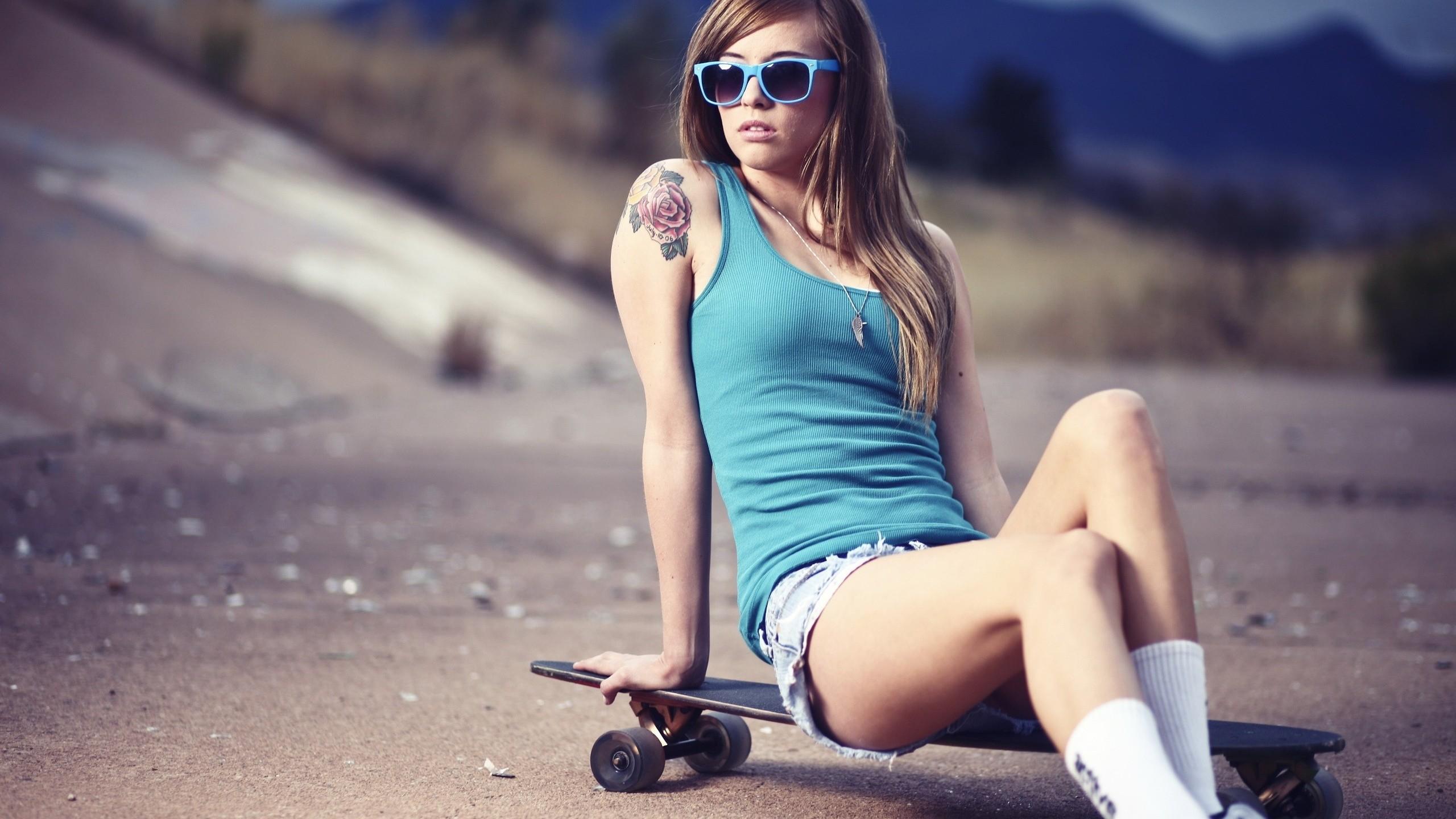 Girl Skateboard Wallpaper HD 756