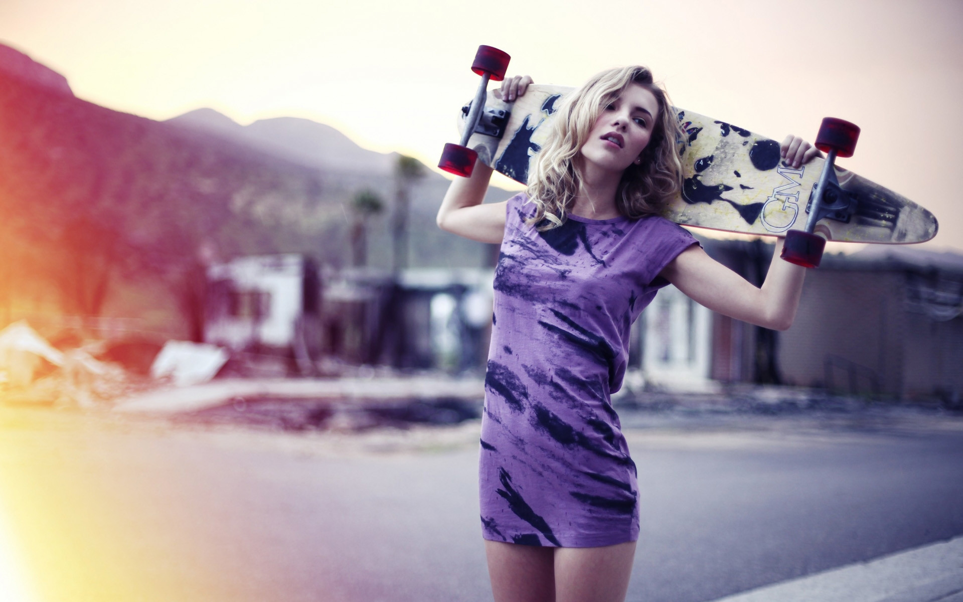 Beauty Girl Skateboard HD Wallpaper
