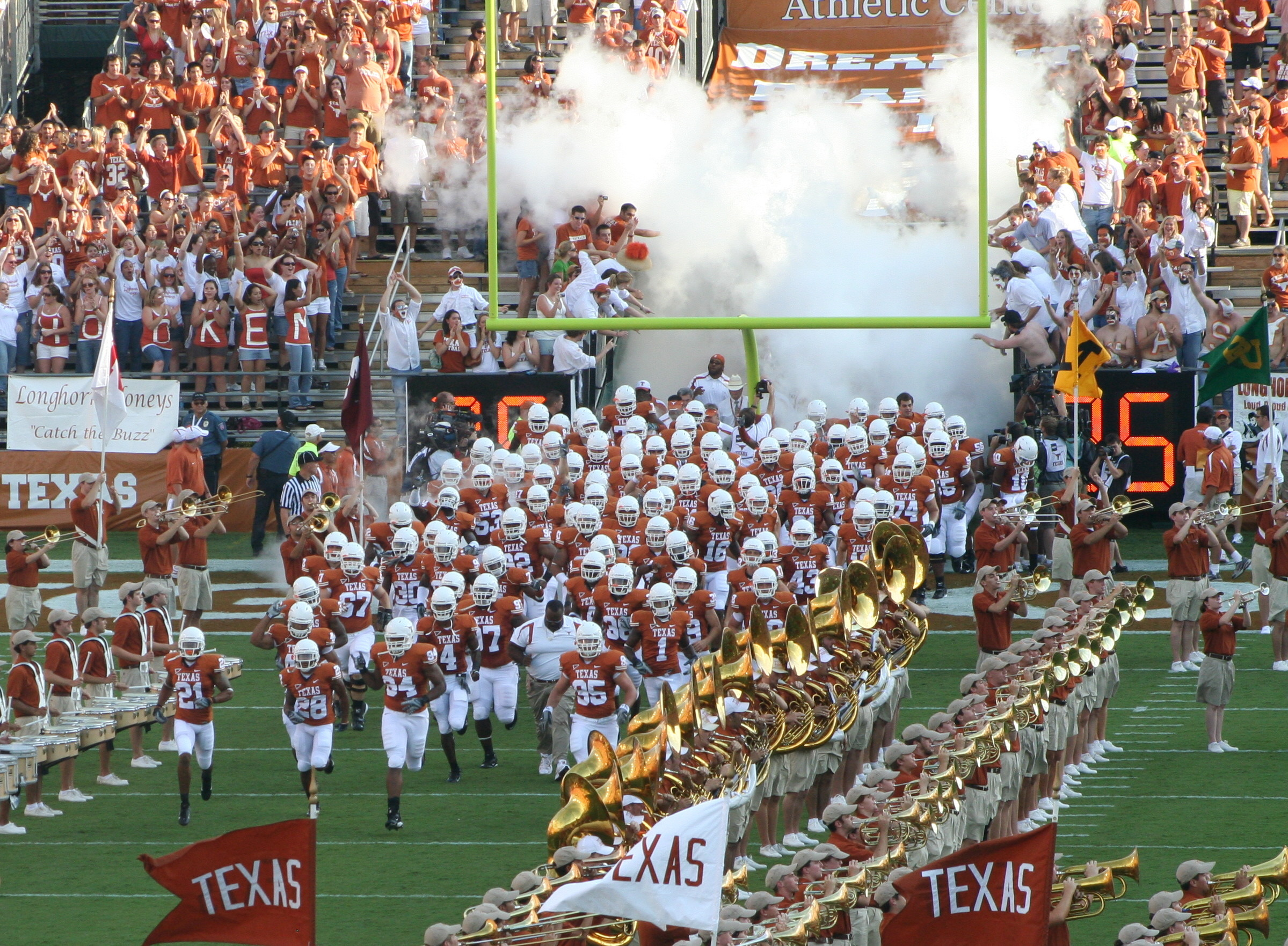 Texas Longhorns Football Team HD Wallpaper for your desktop background .
