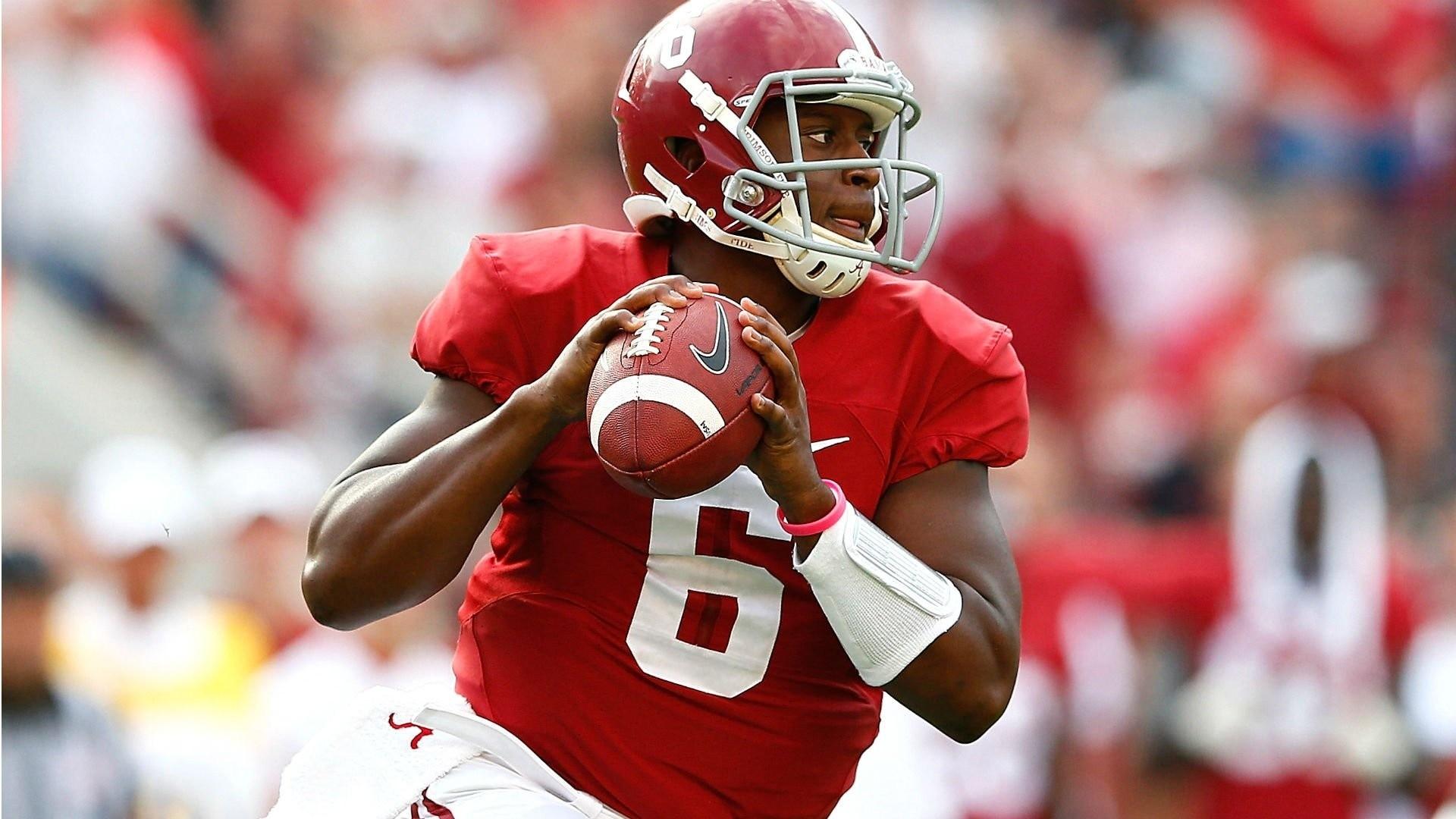 Football, College, Crimson Tide, Alabama Football Players, Alabama Football  Crimson Tide,