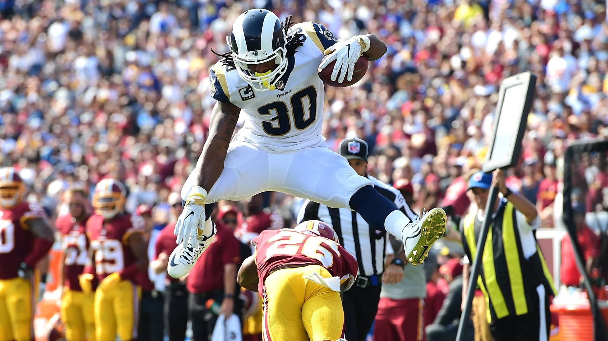 Rams' Todd Gurley still has some Todd Gurley moves. .2000 x 1124 px