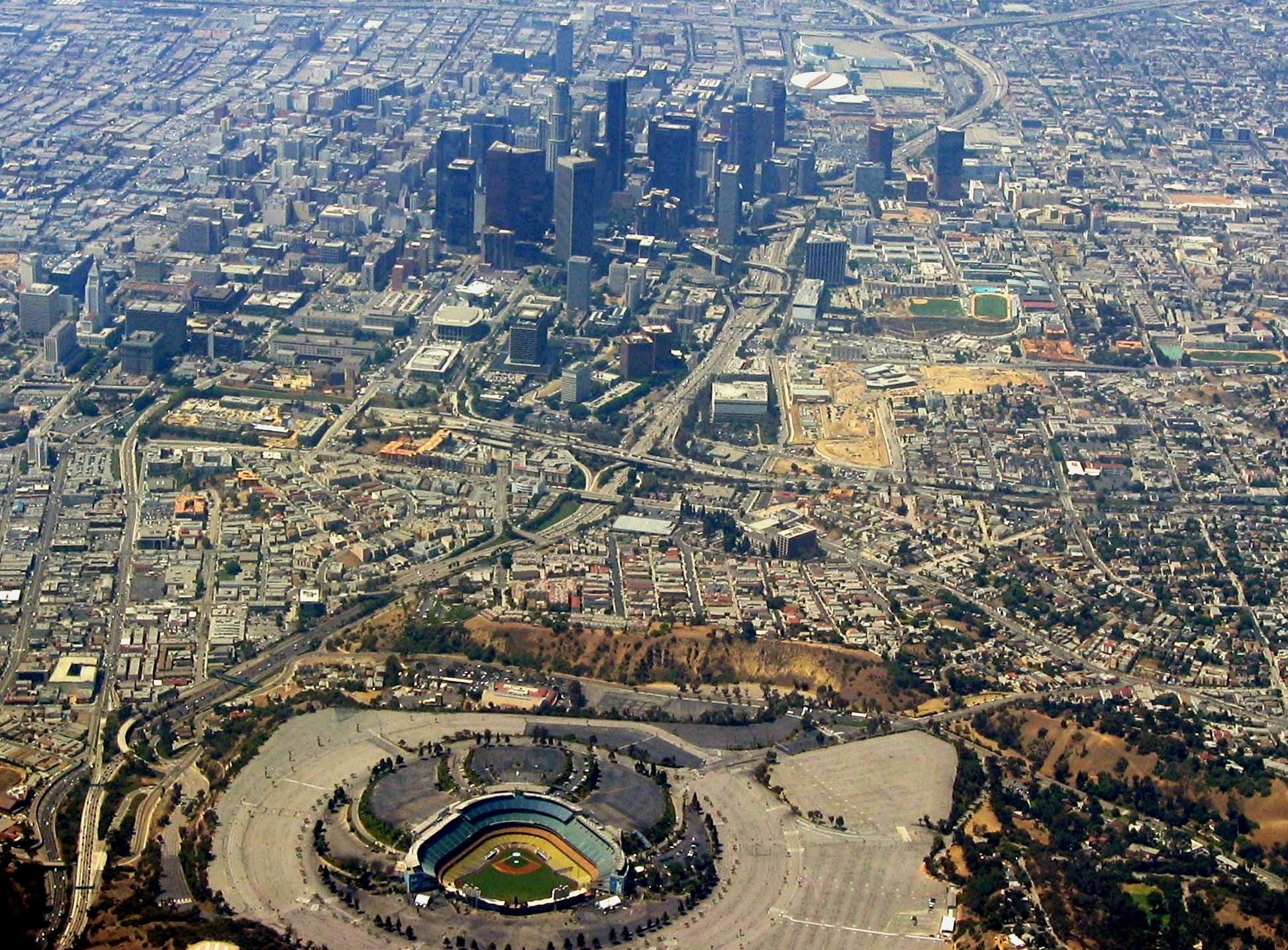 File:Dodger Stadium-Downtown L.A.jpg – Wikipedia