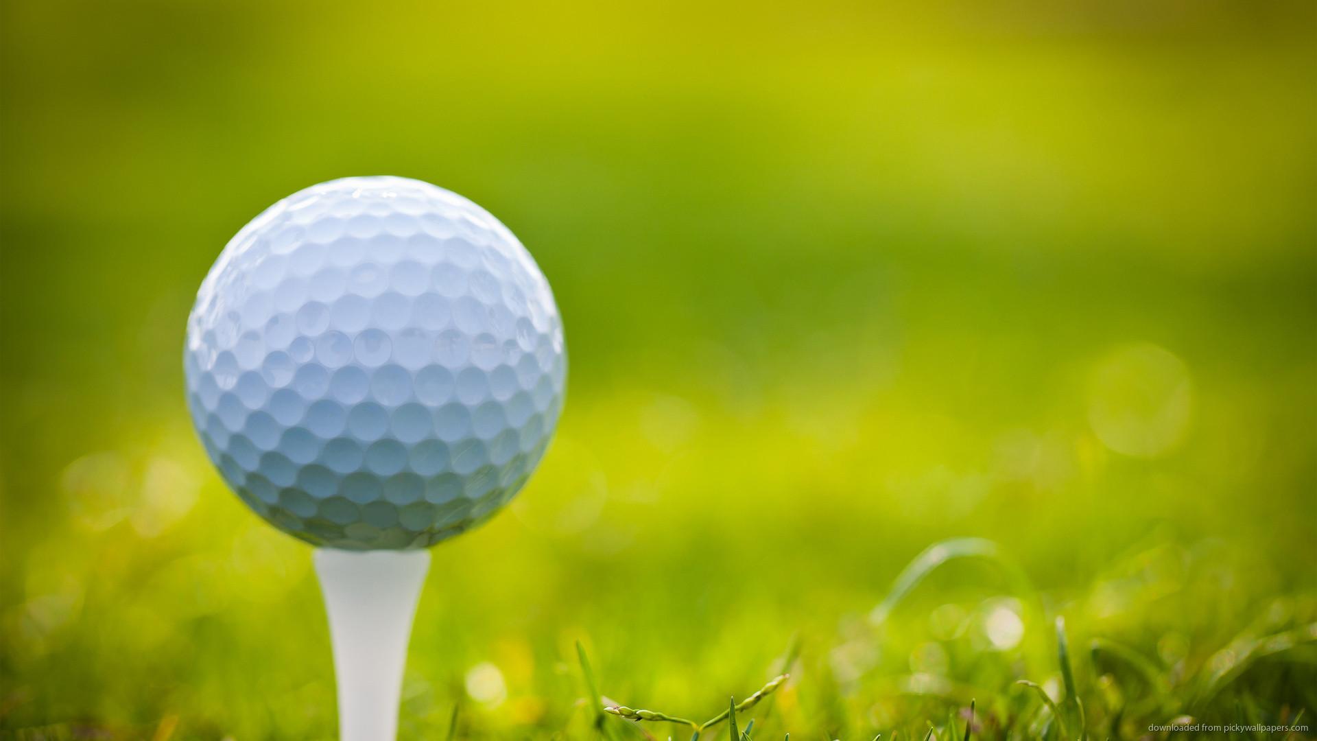 Golf Ball On Tee Desktop Wallpaper picture