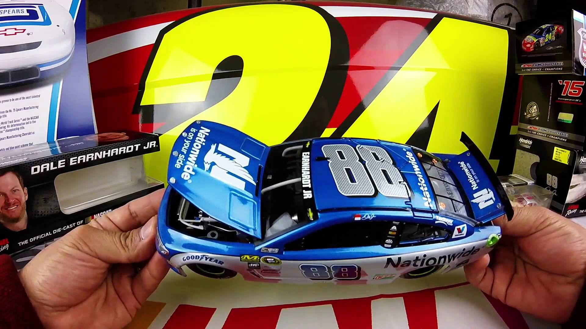 Unboxing the 2016 Dale Earnhardt Jr #88 Nationwide Insurance 1/24 NASCAR  Diecast – YouTube