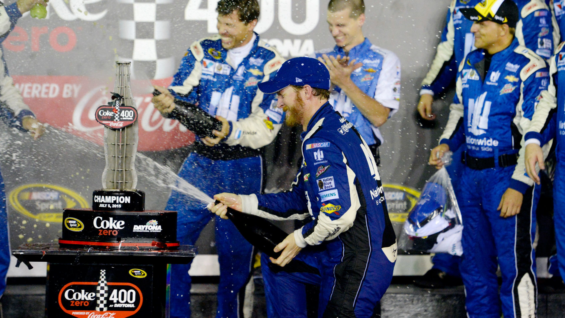 Dale Earnhardt Jr. wins second race of season in wild finish at Daytona |  NASCAR | Sporting News