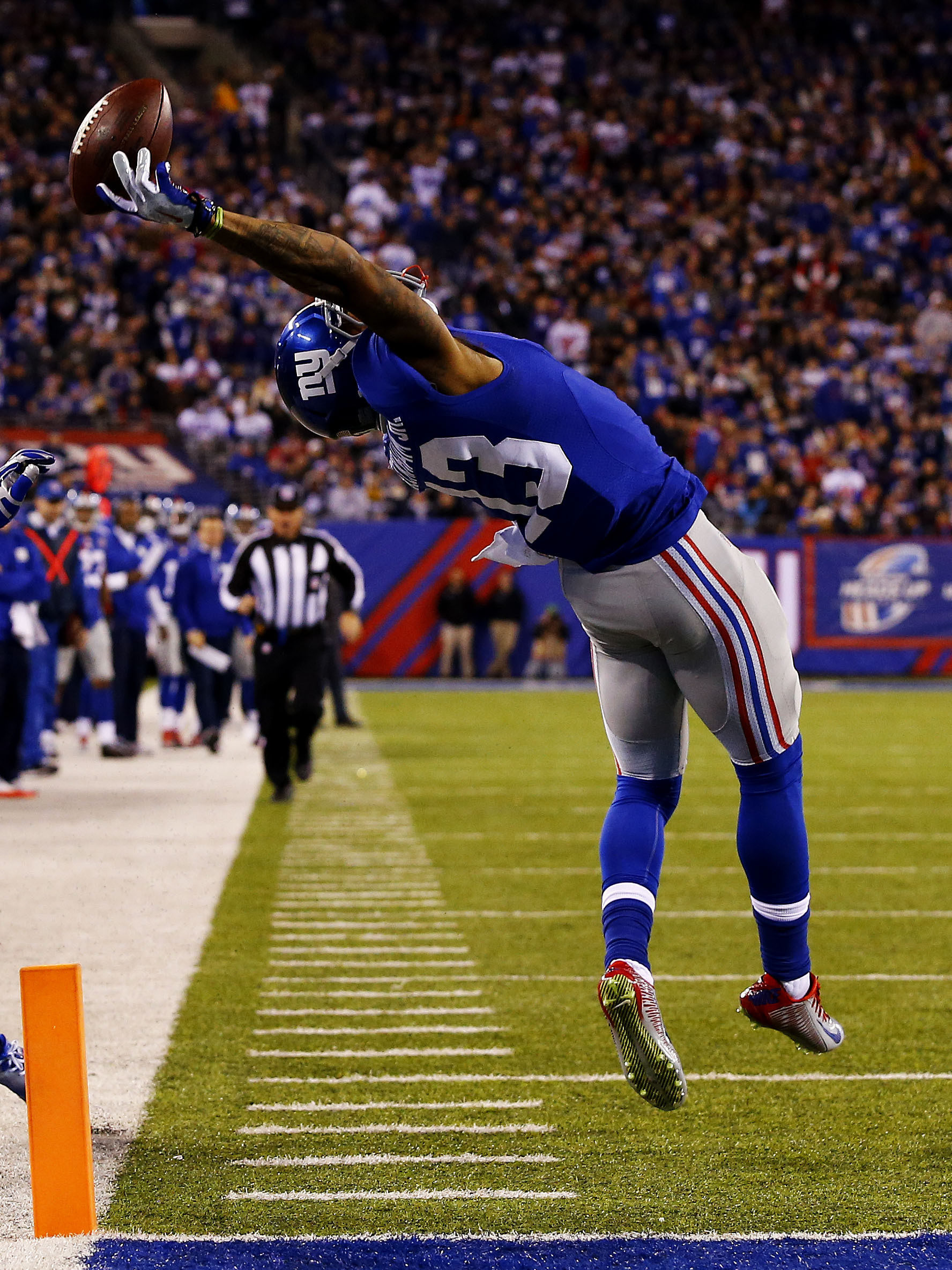 Watch: Odell Beckham Jr. Makes the Most Incredible Catch You'll Ever See |  The Fumble