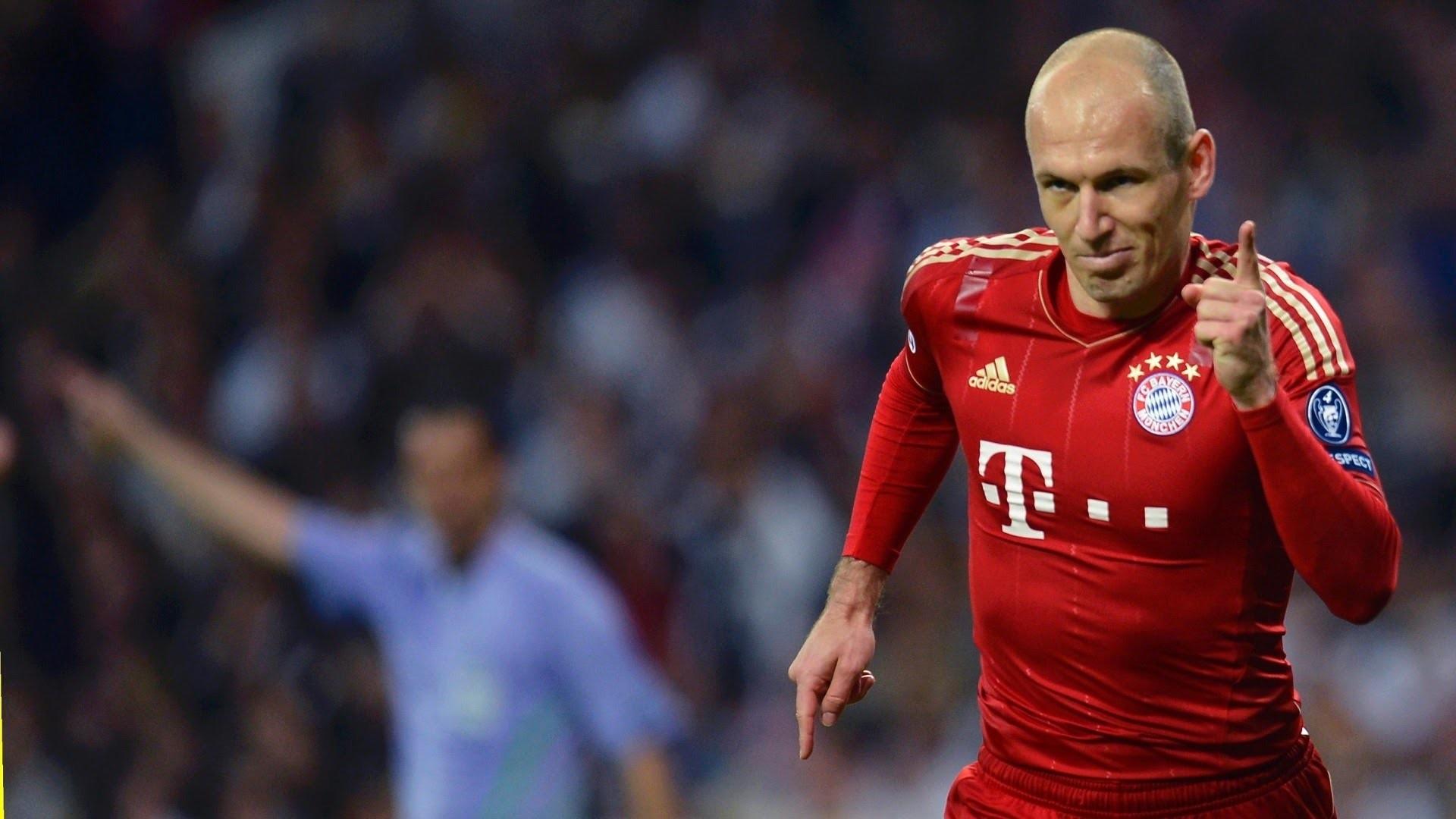 Bayern Munich 2015 [Champions League in War Torn Ukraine] – YouTube