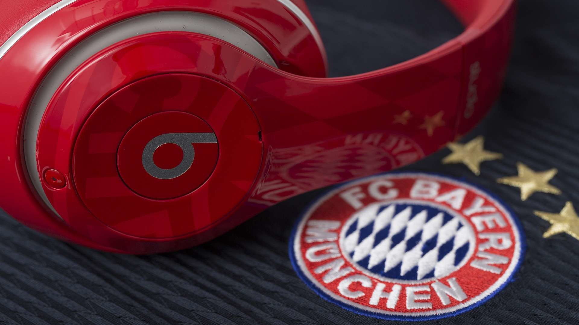 FC Bayern Munich teams up with Beats by Dre