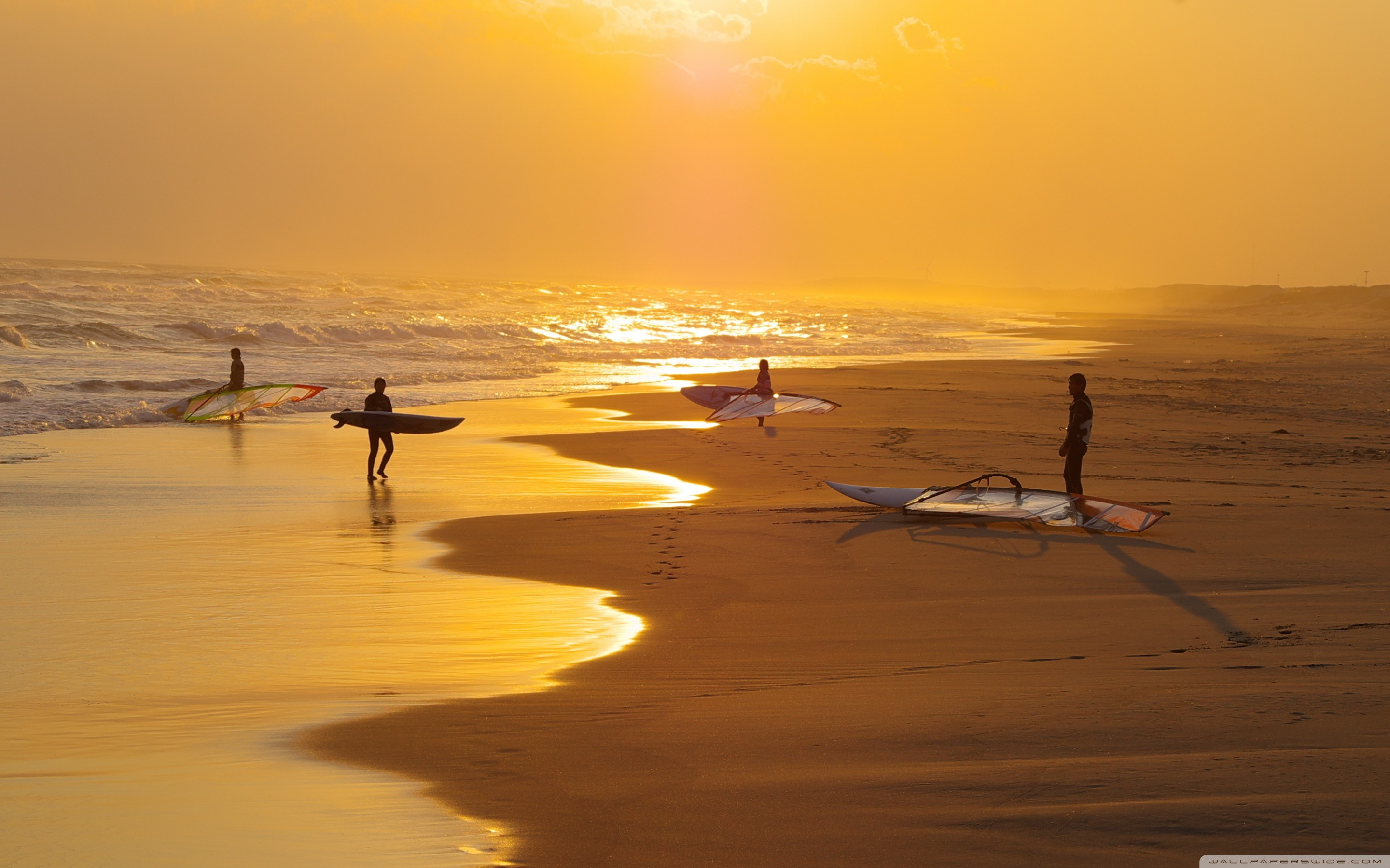 Surfers HD Wide Wallpaper for Widescreen