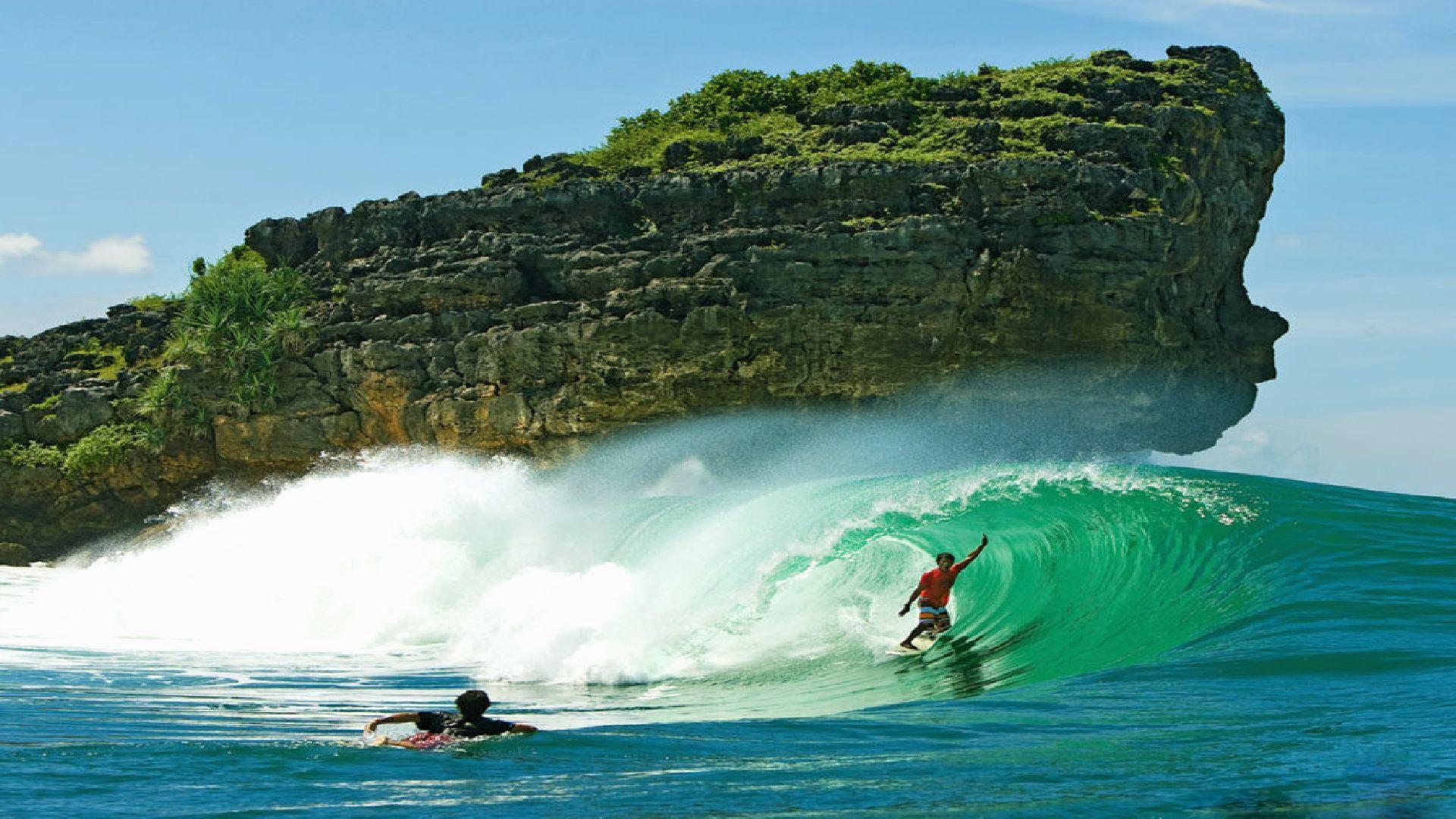 Surfing-phone-wallpaper