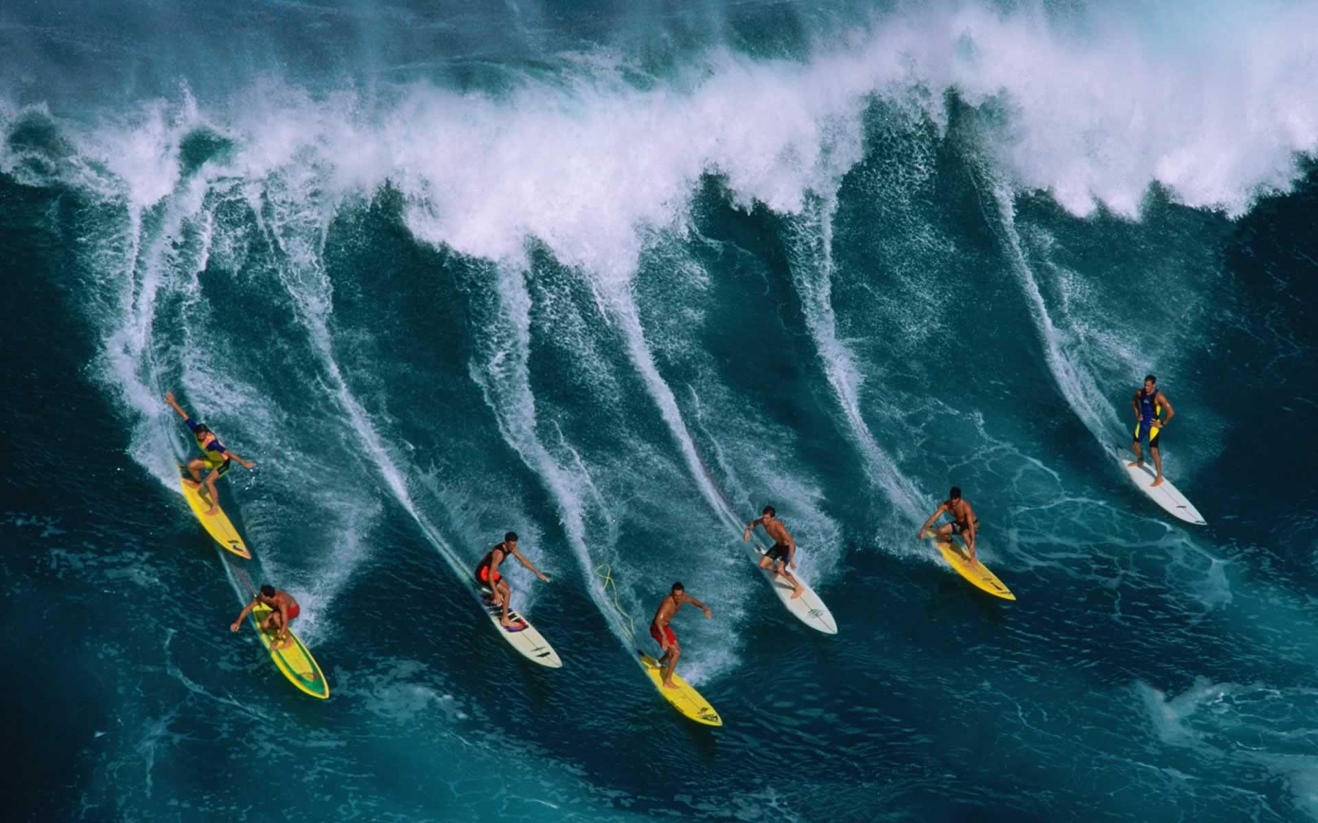 Surfing-Wallpaper | Main Beach