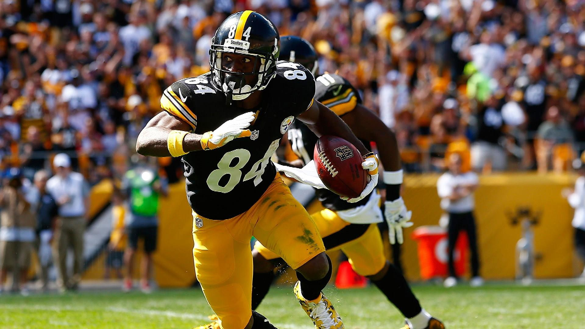 Antonio Brown won't hold out for a new contract this season | NBC Sports