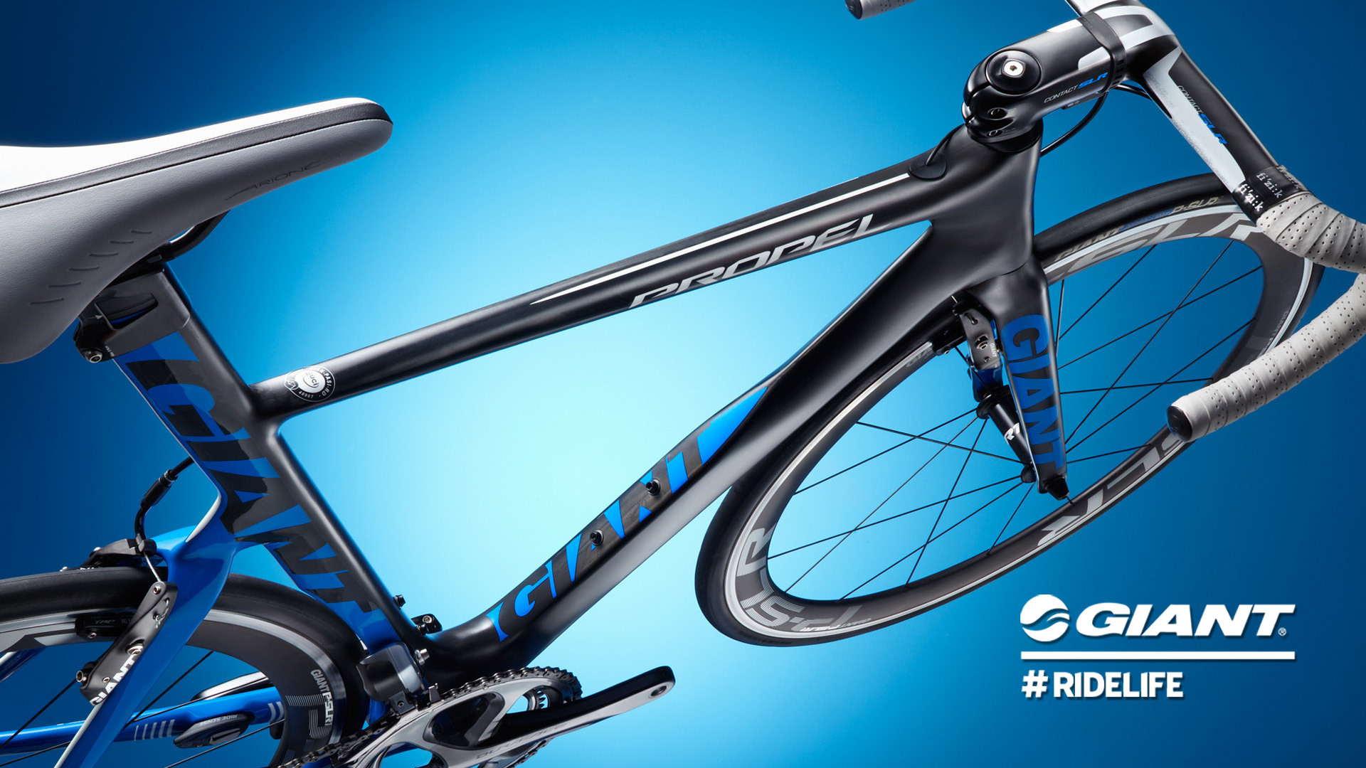 The genre defining Propel Advanced SL aero road racing bike : wind tunnel  tested, ProTour proven –leading aero tech in a sleek design .