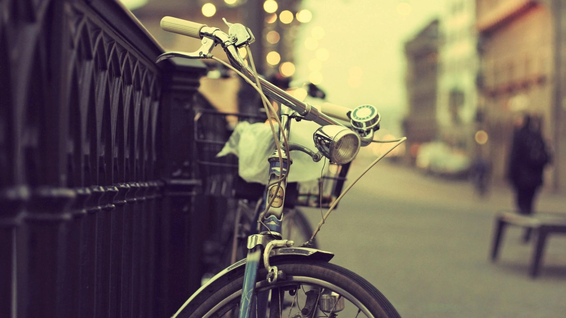 Vintage Road Bike Wallpaper