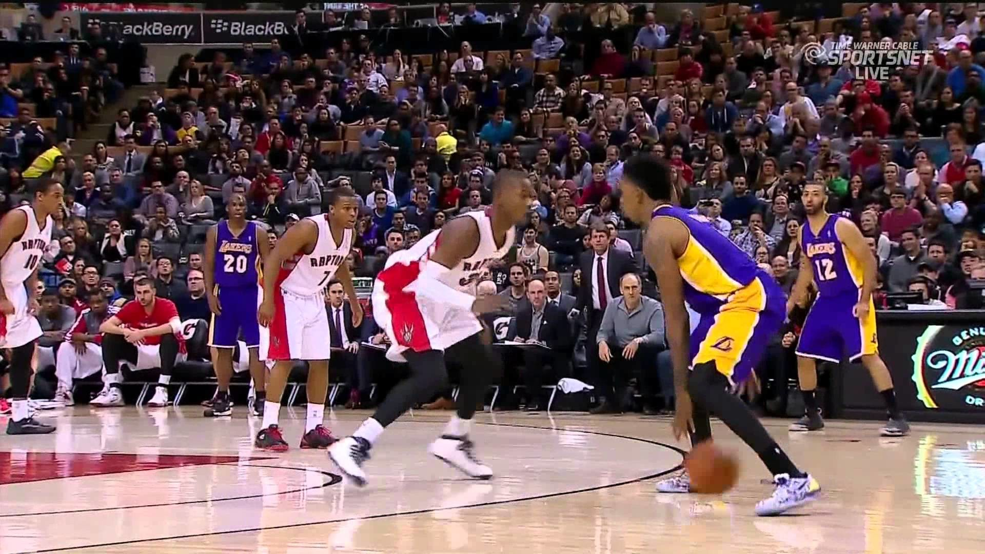 01-19-2014 – Lakers vs. Raptors – Nick Young Dagger Three Pointer