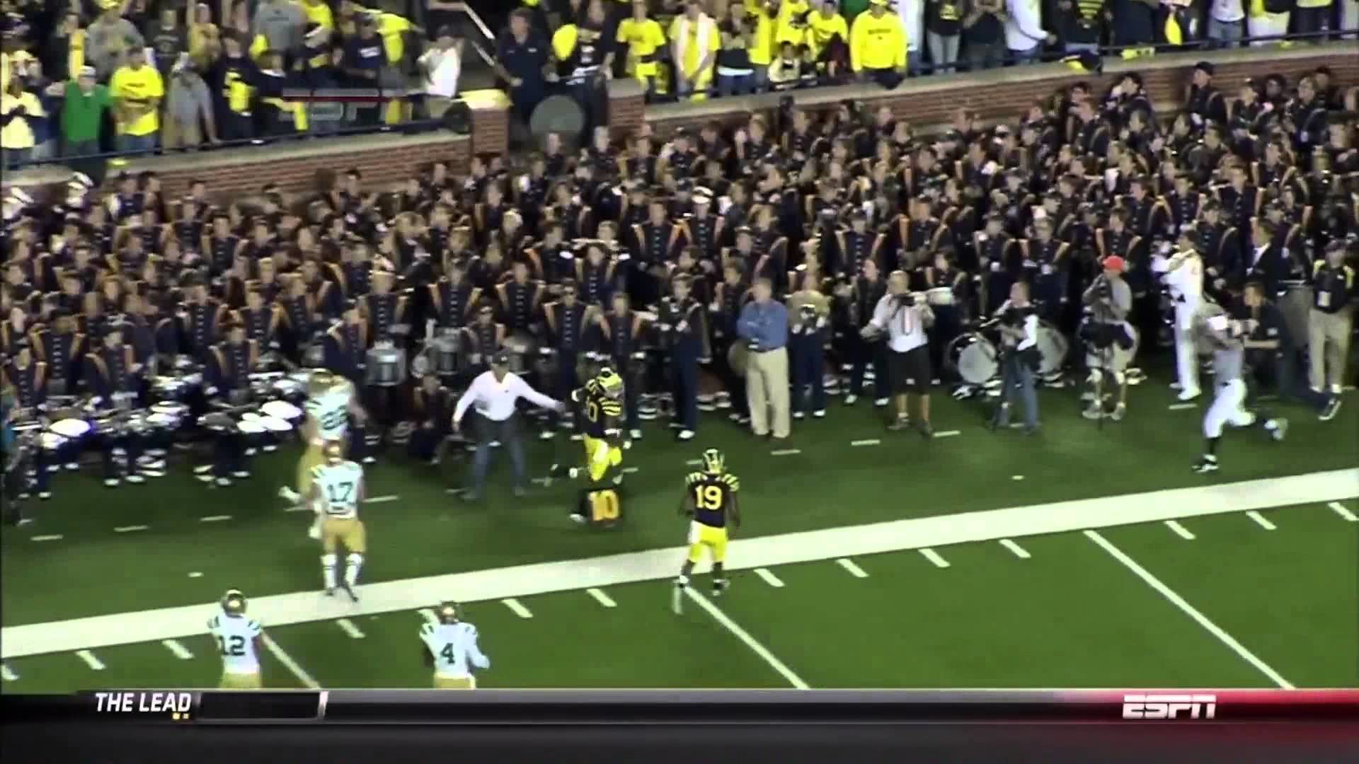 Michigan Wolverines Football: Michigan Wolverines vs. Notre Dame Fighting  Irish, 30 Seconds To Glory