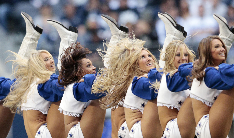 Dallas Cowboys Cheerleader Nipple Boob