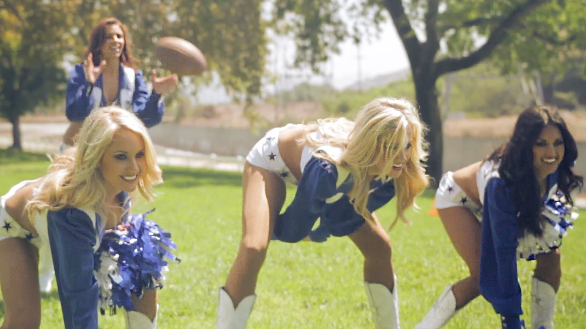 "Dallas Cowboys Cheerleaders Reenact Dez Bryant's ""Catch"" Vs. the Packers –  YouTube"