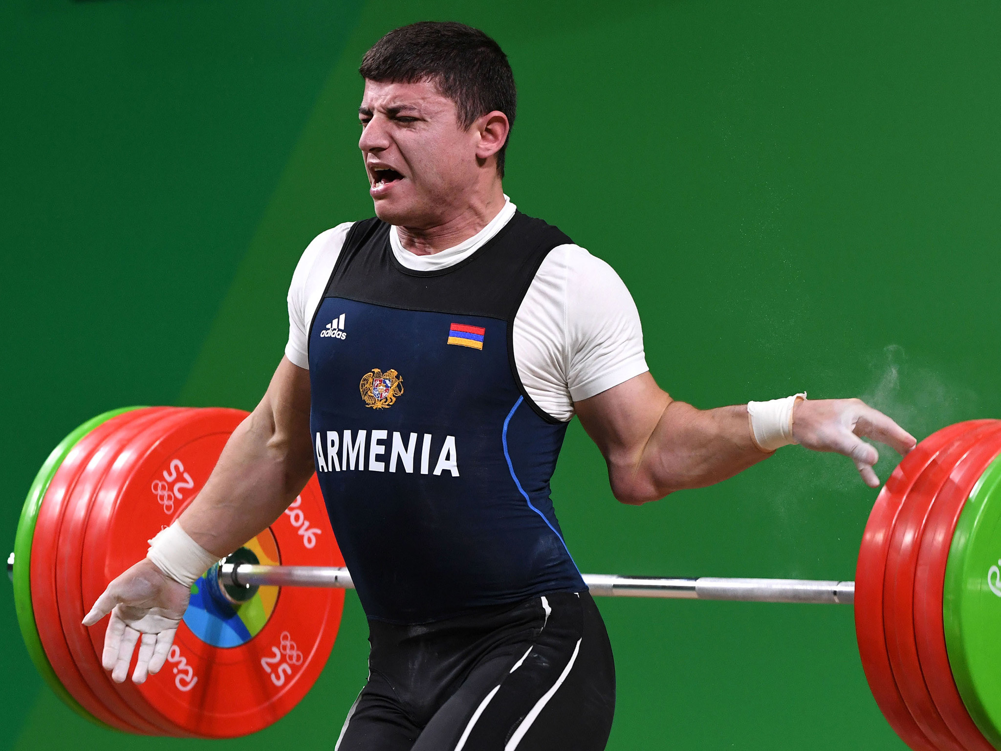 Rio 2016: Armenian weightlifter dislocates elbow during Olympic final | The  Independent