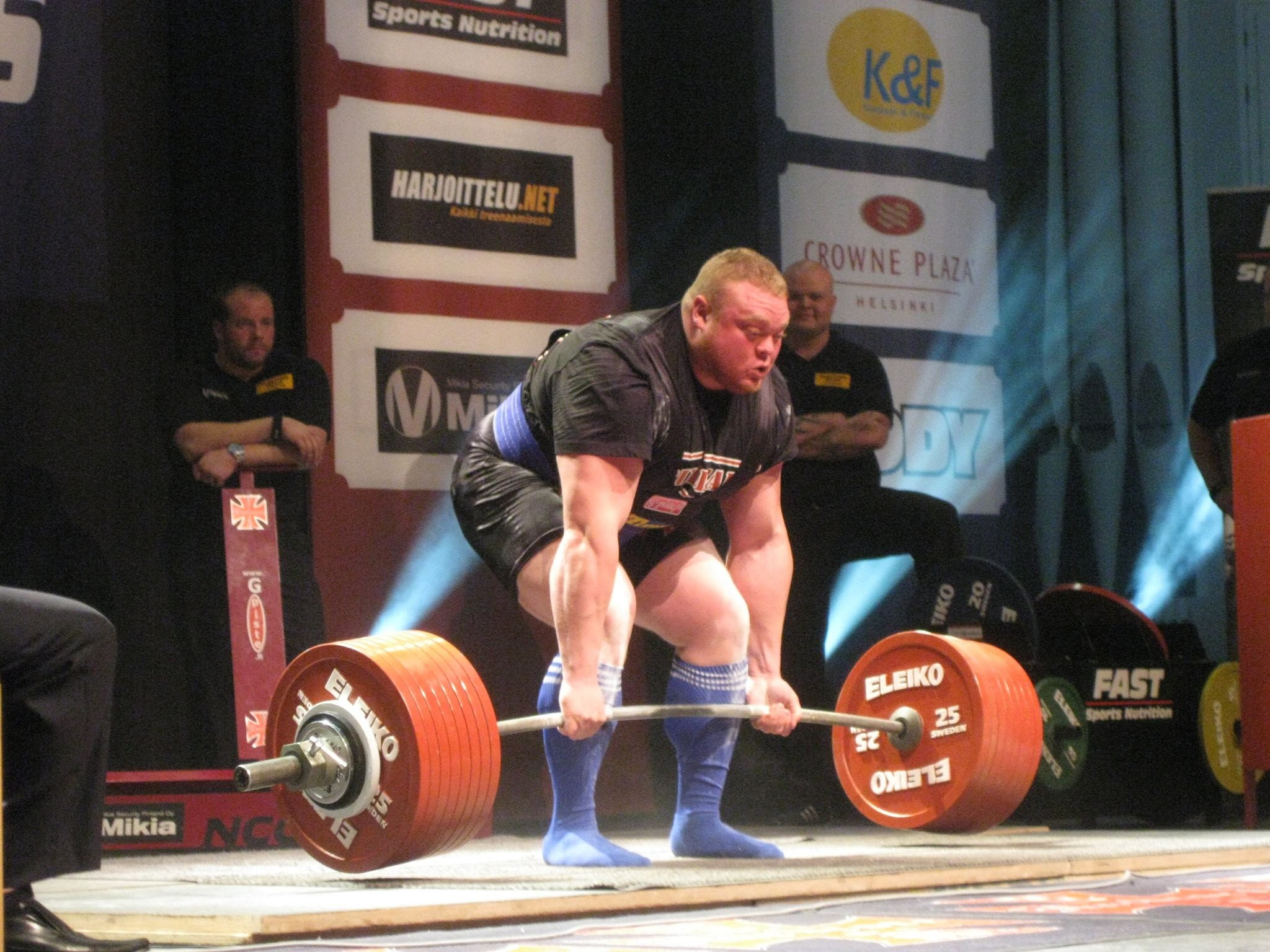 The world record deadlift of 1015 pounds, done by Benedikt Magnusson, was  performed raw