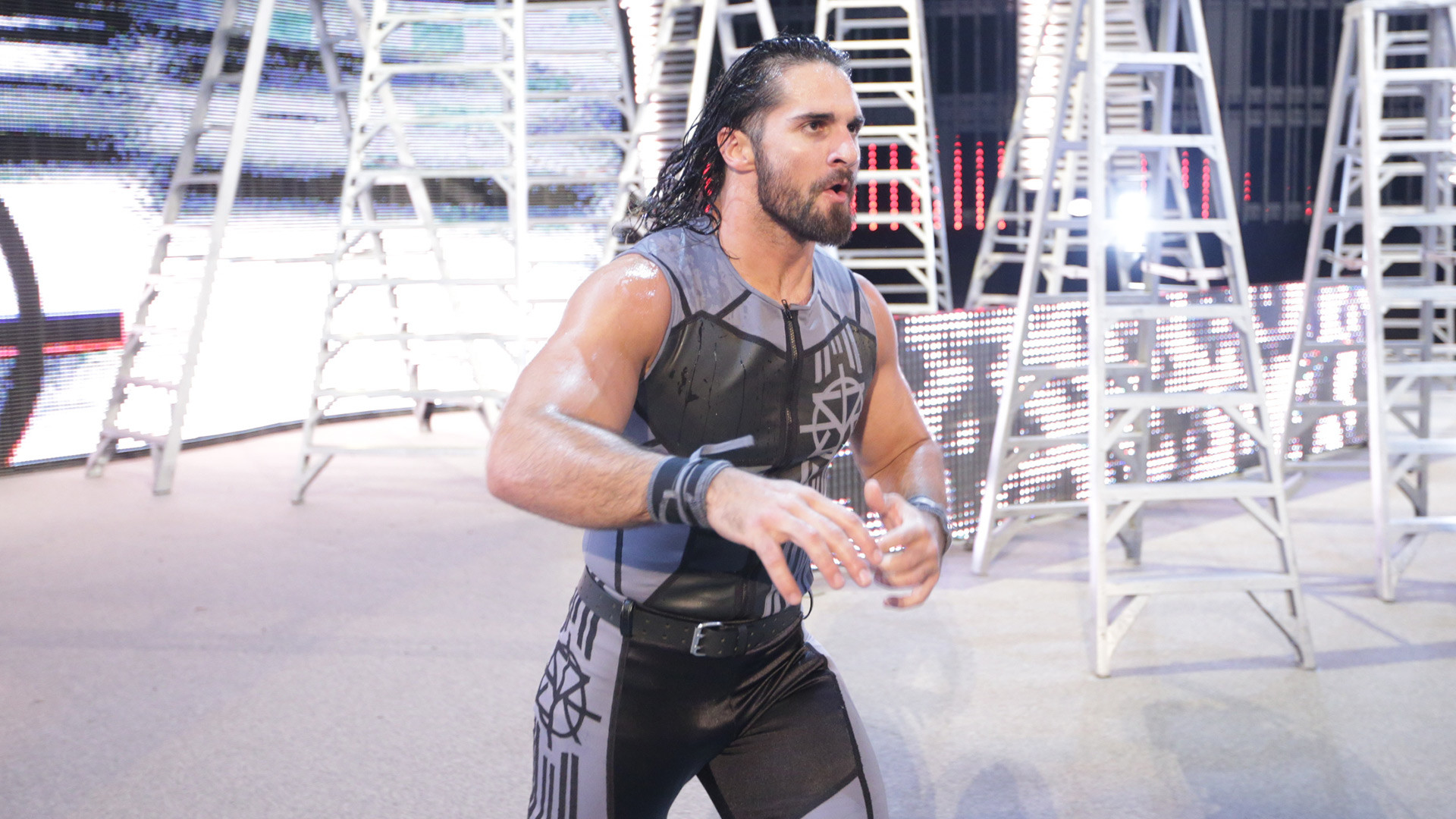 Seth Rollins def. WWE World Heavyweight Champion Roman Reigns; Dean Ambrose  cashed in his Money in the Bank contract to become WWE World Heavyweight …