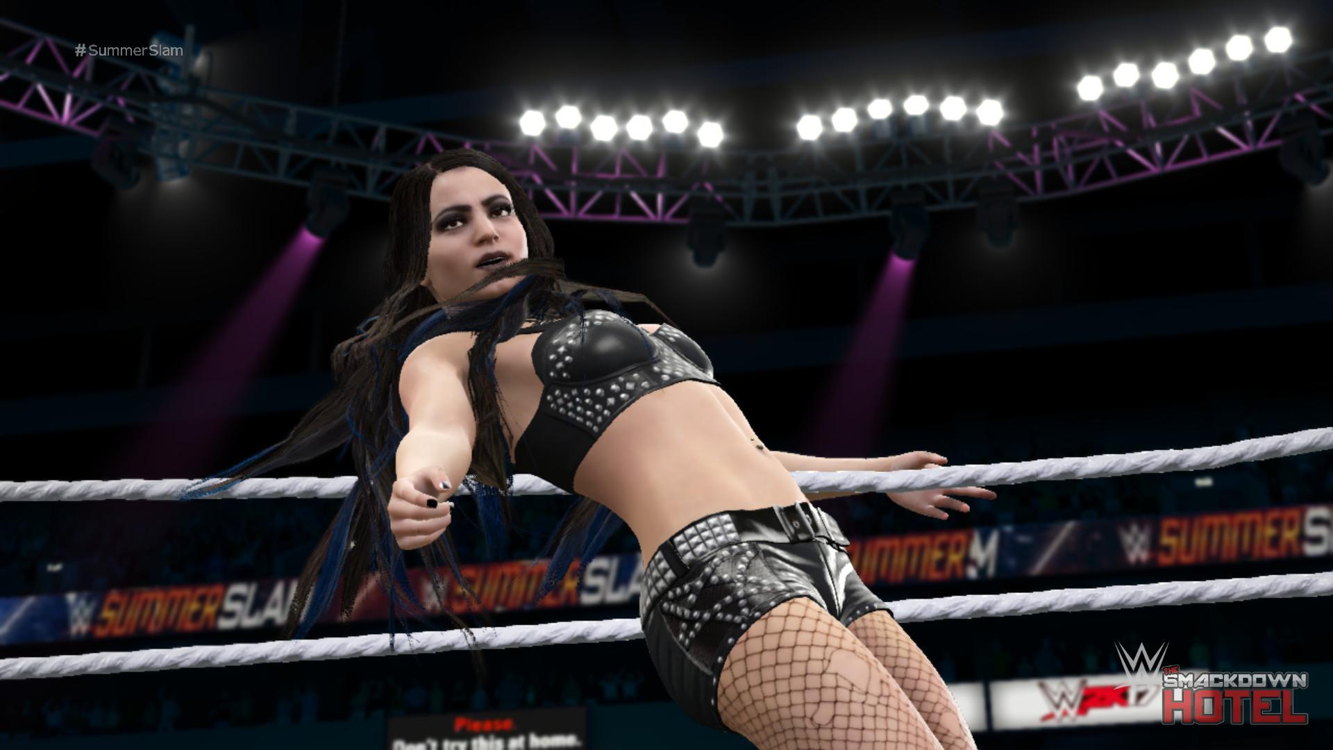 … WWE2K17-Paige