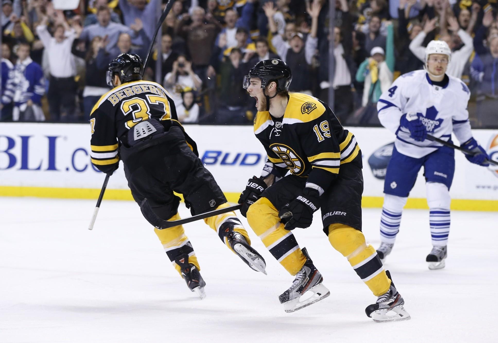 Boston Bruins Logo patrice-bergeron-boston-bruins-toronto-maple-leafs-4