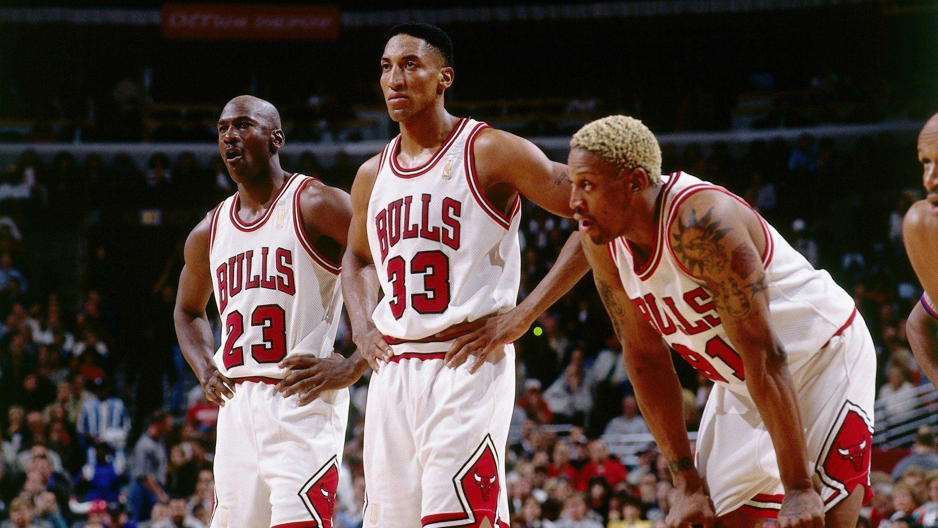 Basketball NBA game player michael jordan chicago bulls wallpaper .