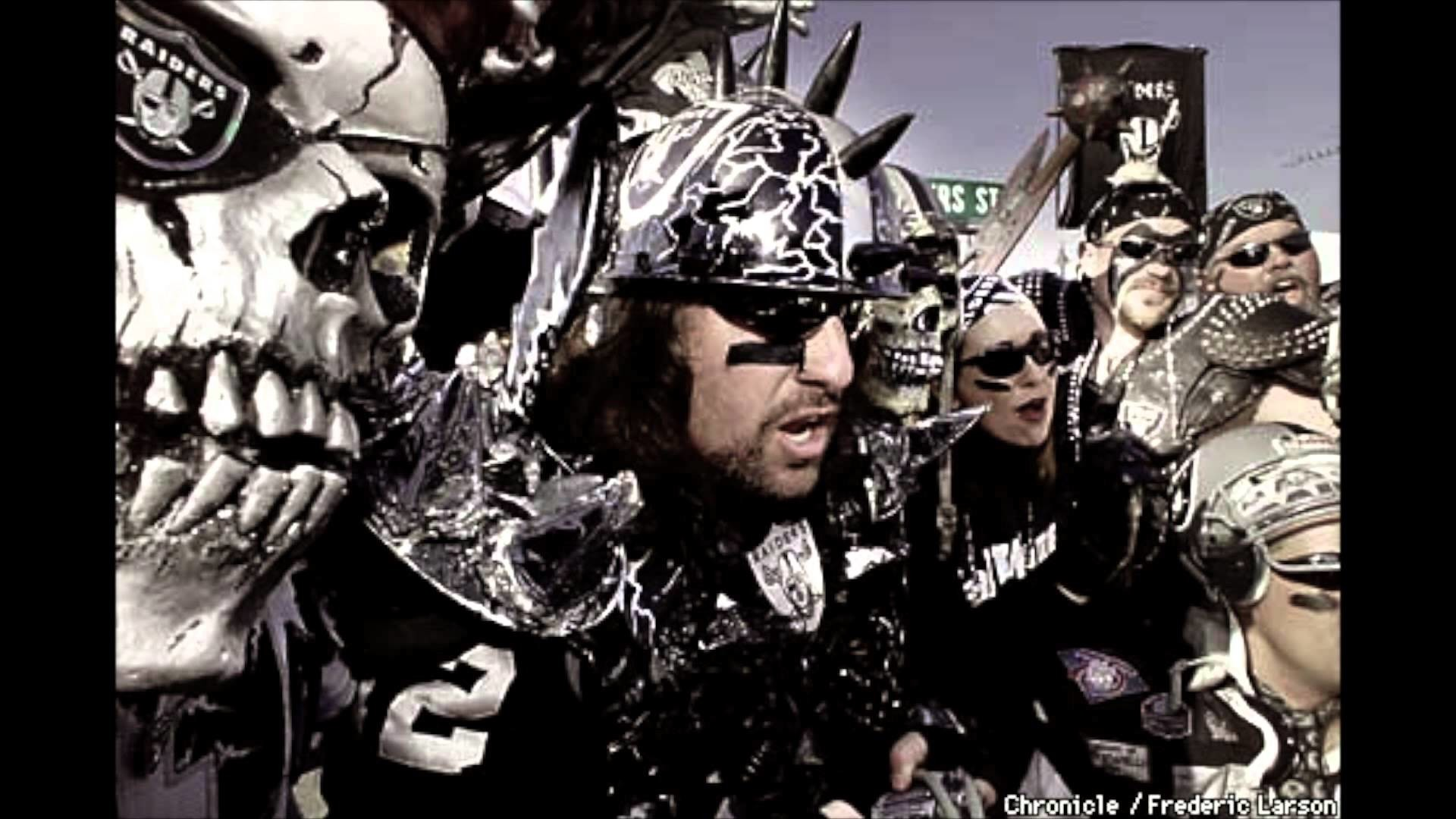 Oakland RAIDERS SUCK Theme Fight SONG | San Diego SUPER CHARGERS – YouTube