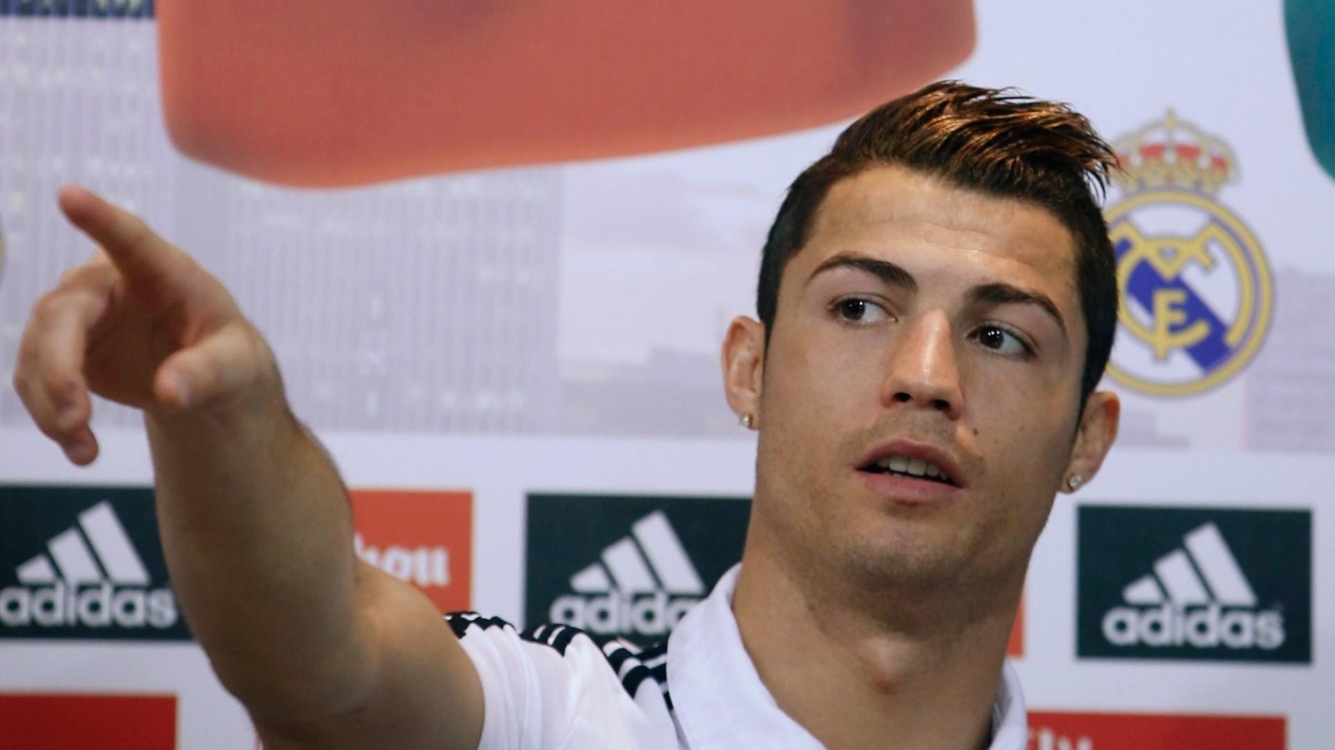 Cristiano Ronaldo New Hairstyles HD 2017