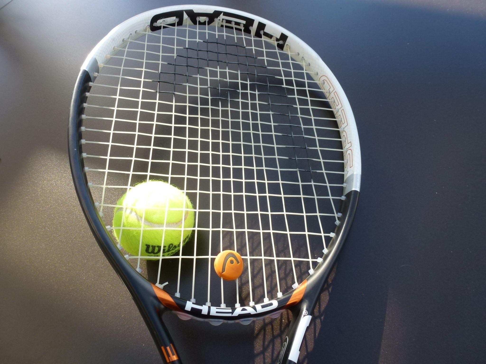 Tennis Ball and Racket Wallpaper Photos 59880