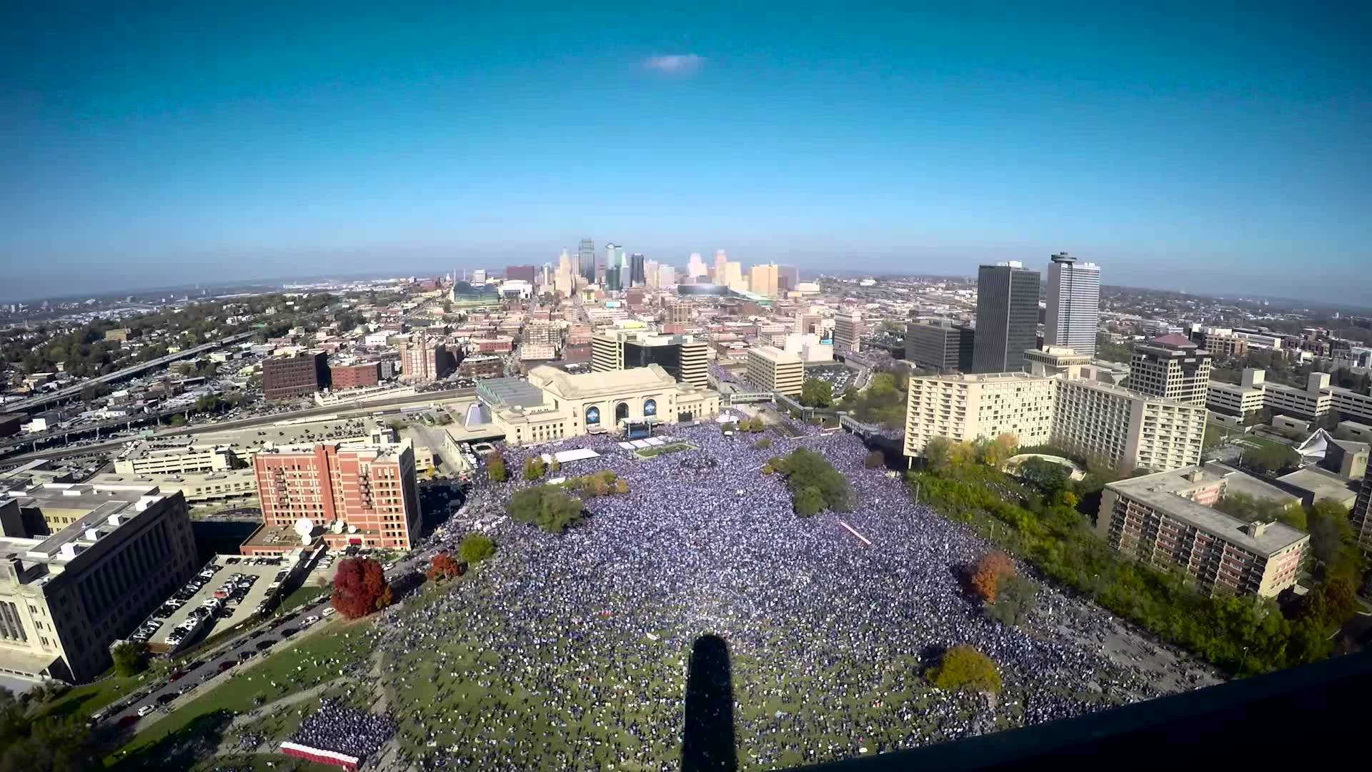 Kansas City Royals World Series Party from the Liberty Memorial – YouTube
