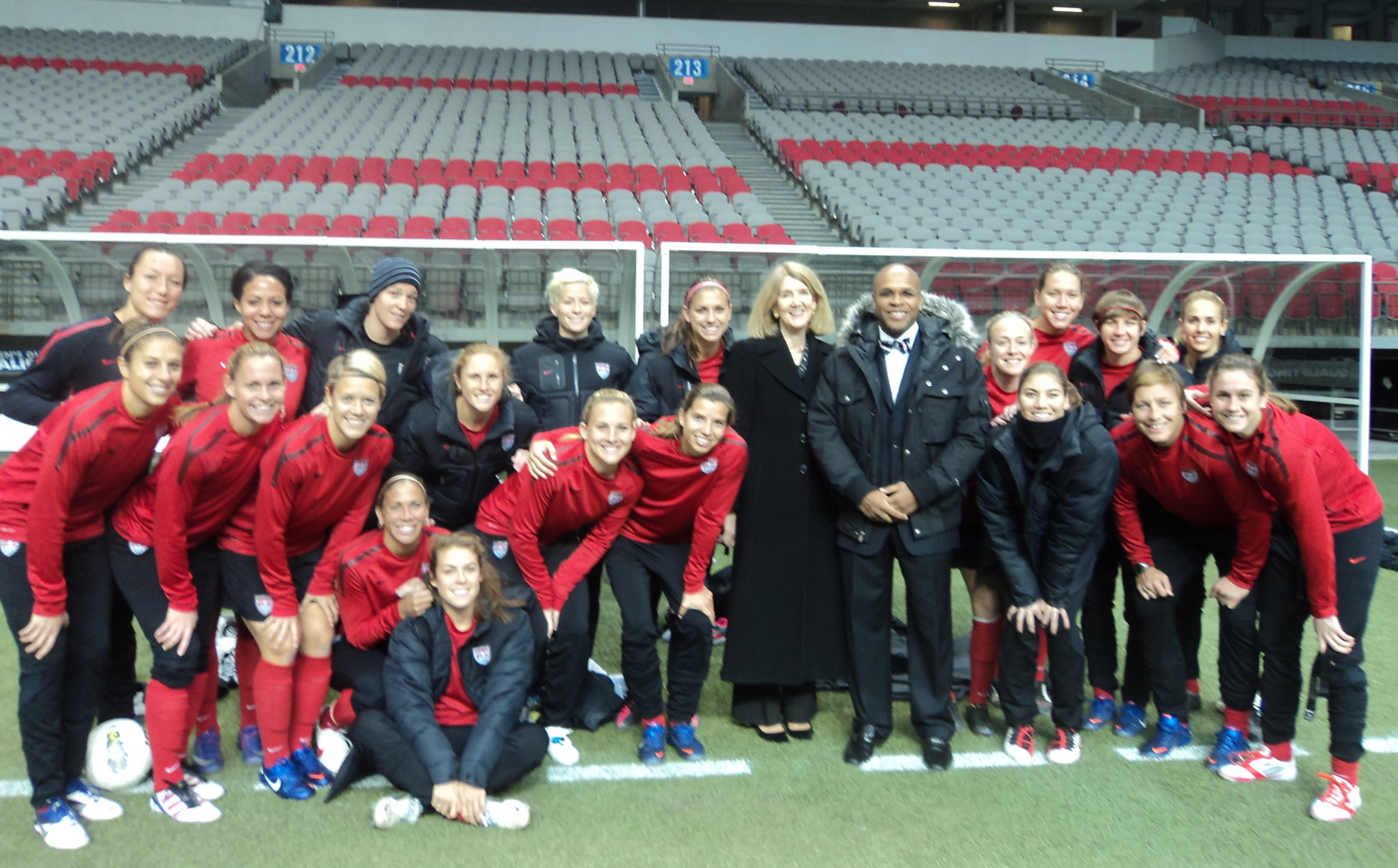 File:U.S. Women's Soccer team in Vancouver with Consul General Anne  Callaghan.jpg
