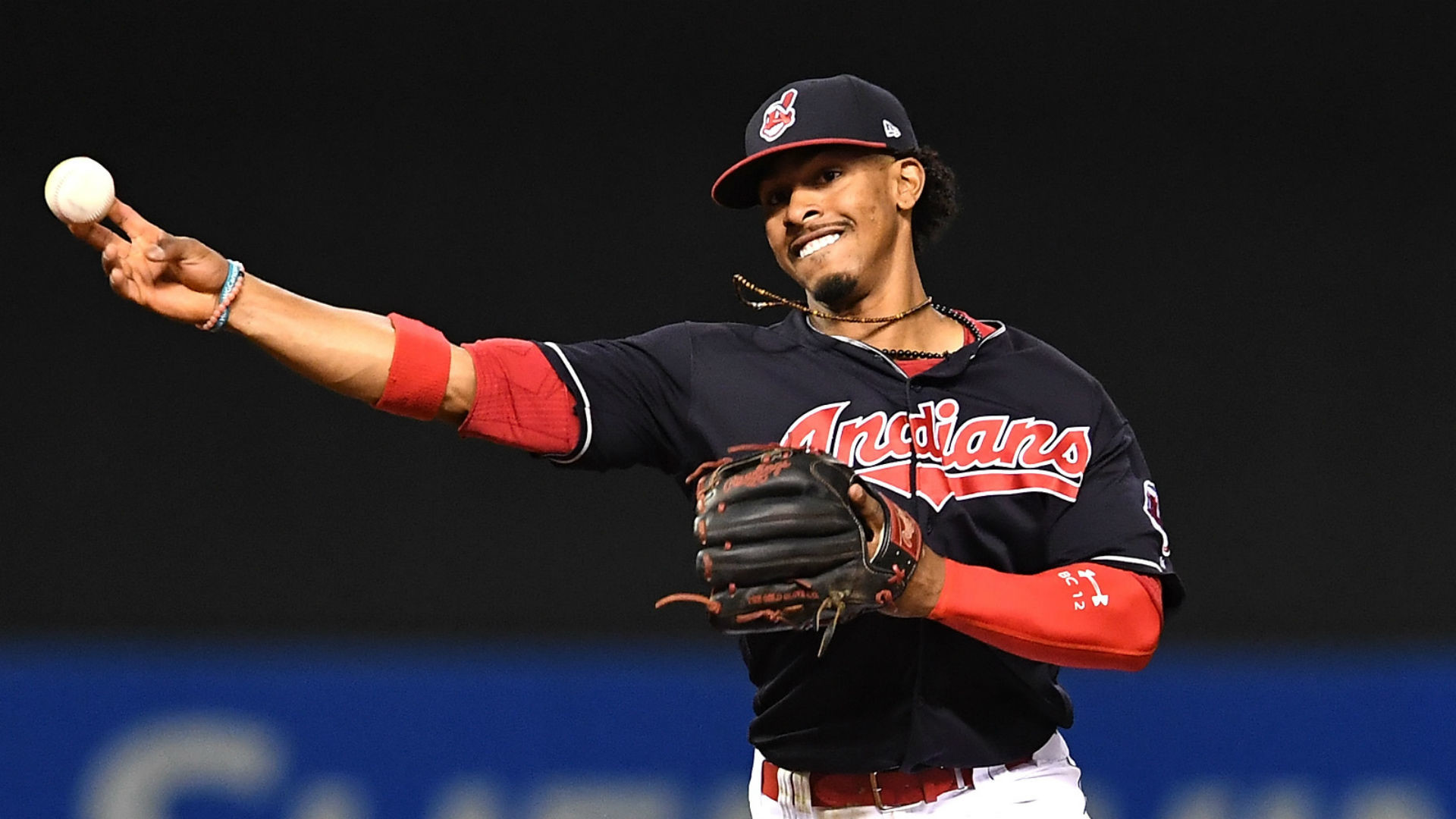 2016 Gold Glove Awards: Francisco Lindor, Buster Posey among nine  first-time winners | MLB | Sporting News