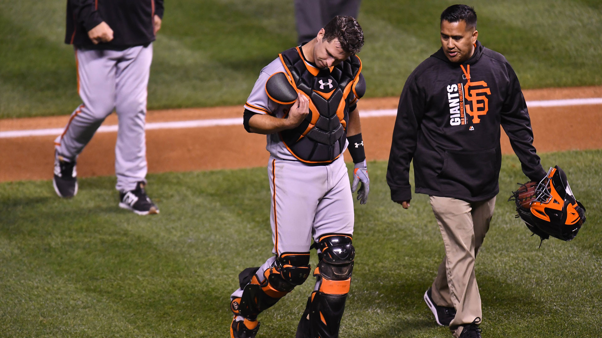 Buster Posey exits game vs Rockies after taking foul ball off bare hand |  NBCS Bay Area