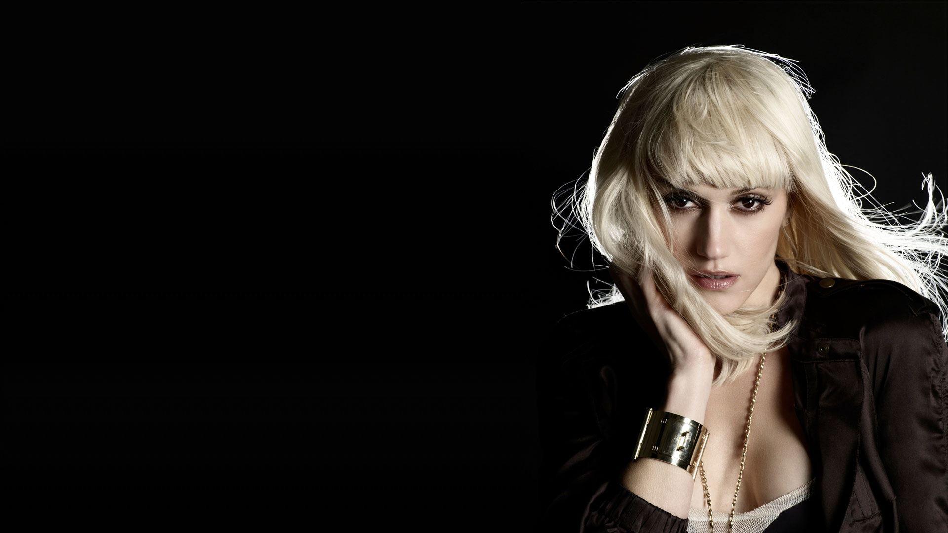 Gwen Stefani background