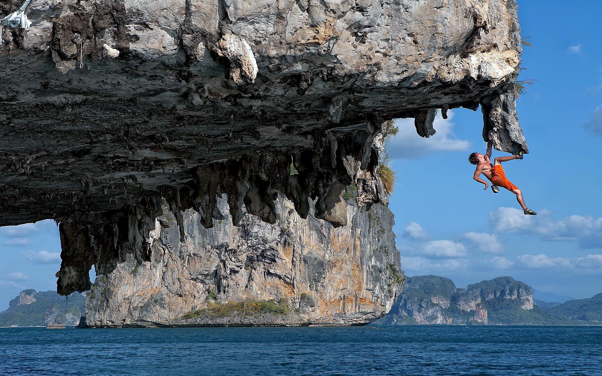 Climbing over Sea