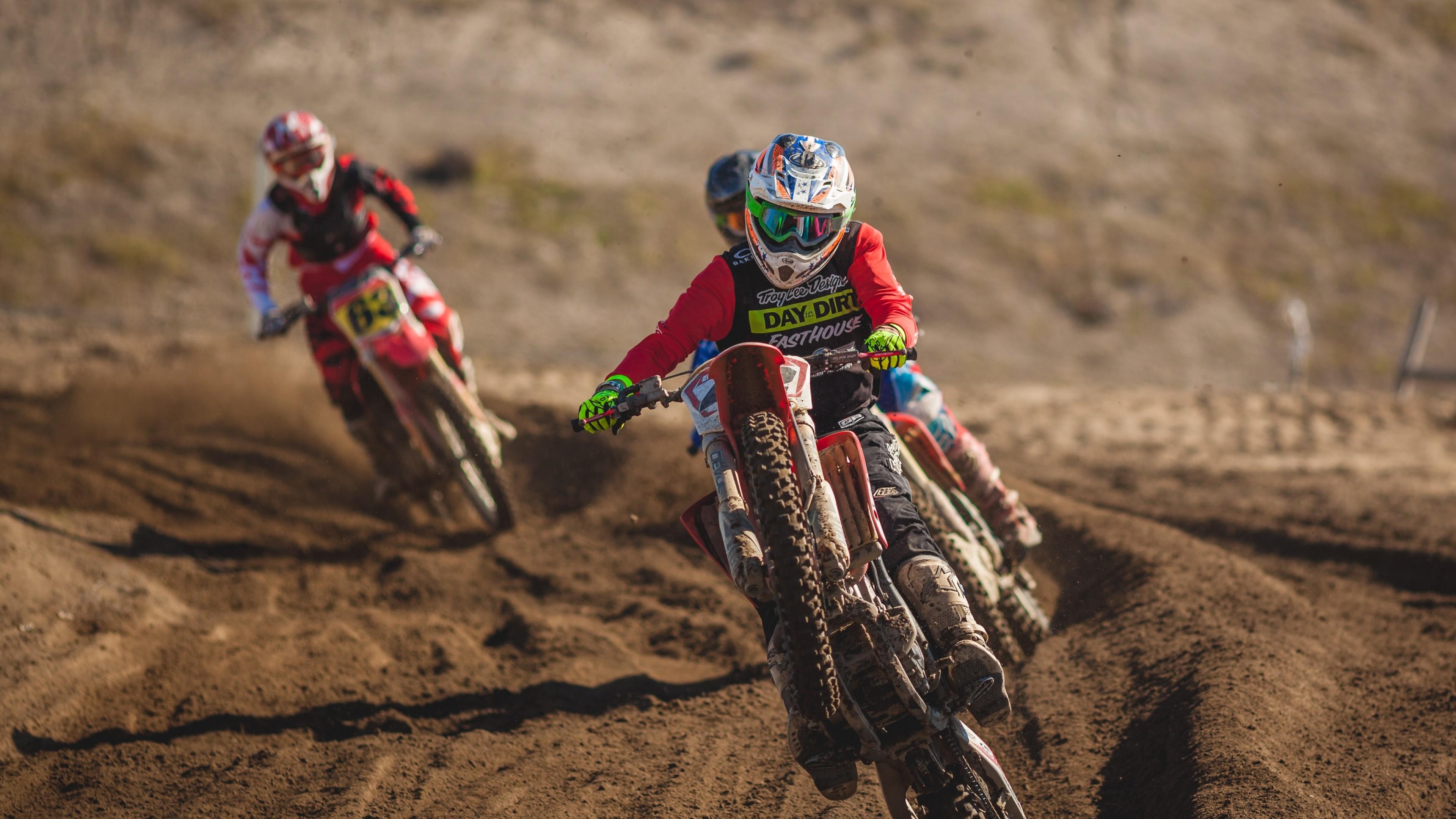 Preview wallpaper dirt bike, motorcycle, dirt, racing 3840×2160