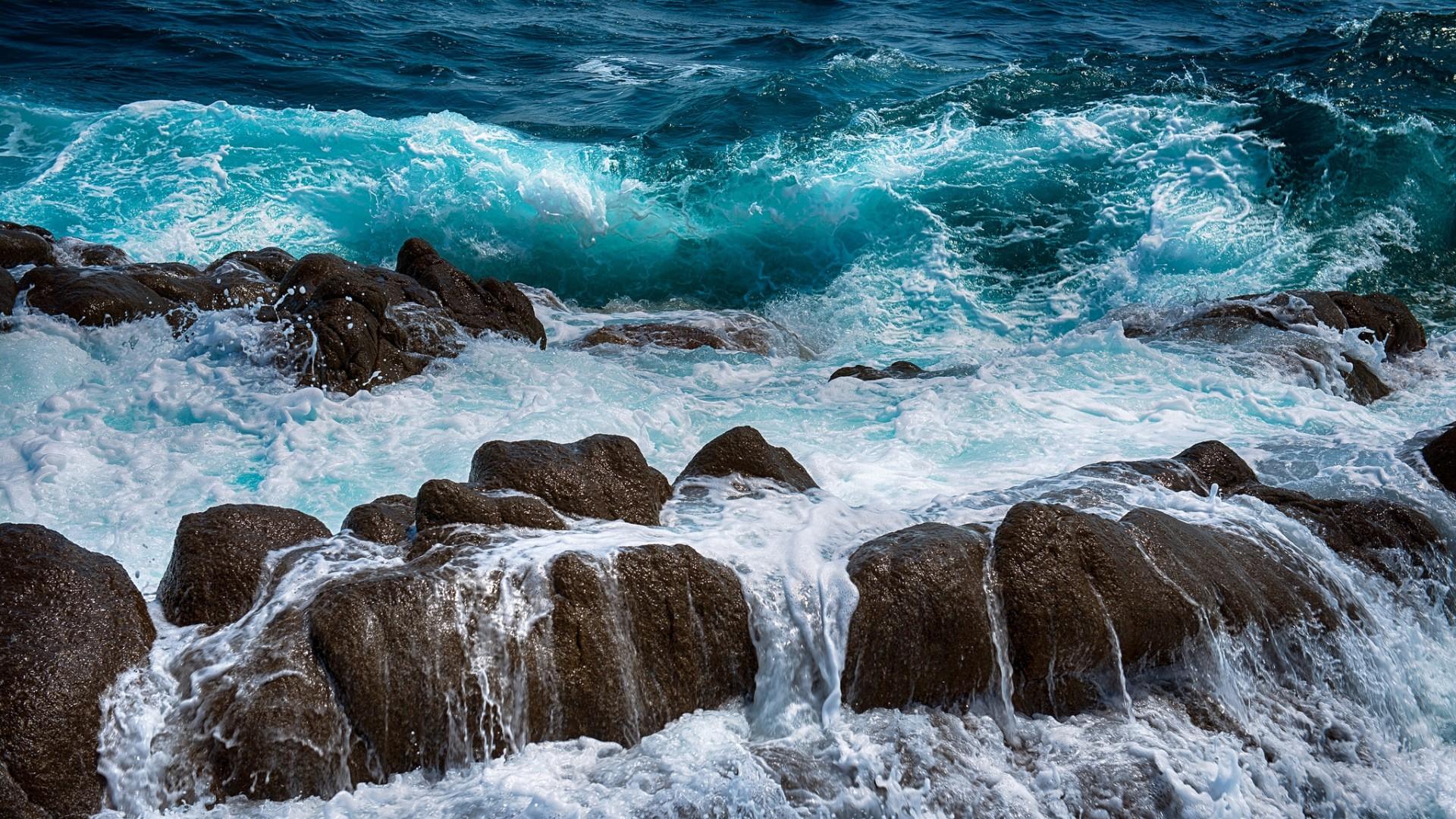 Download HD Wallpaper wave foam rock tide ireland .