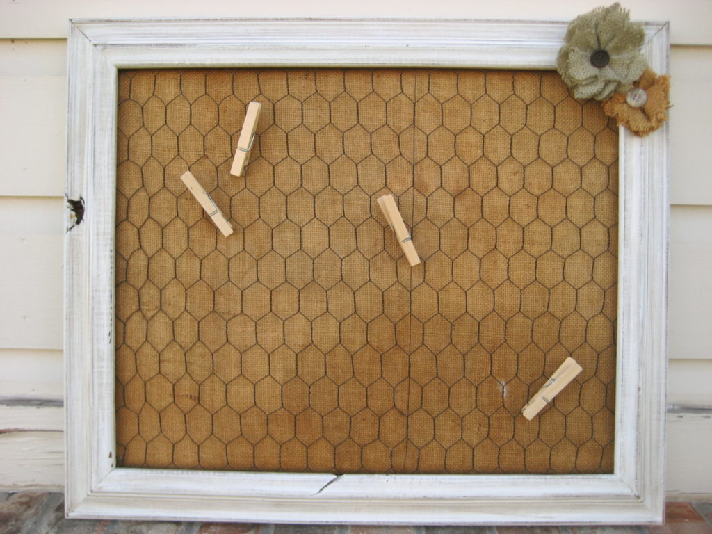 Chicken wire bulletin board with burlap