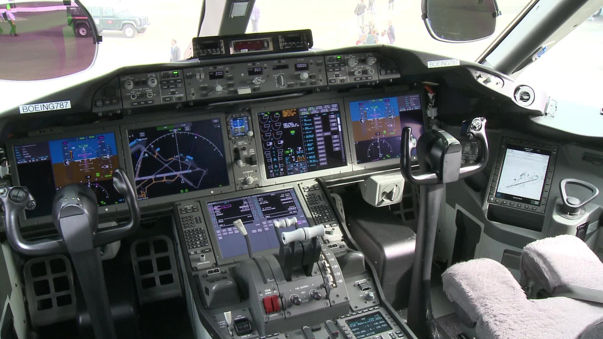 Boeing 787 Cockpit Stock Video 12281817   HD Stock Footage