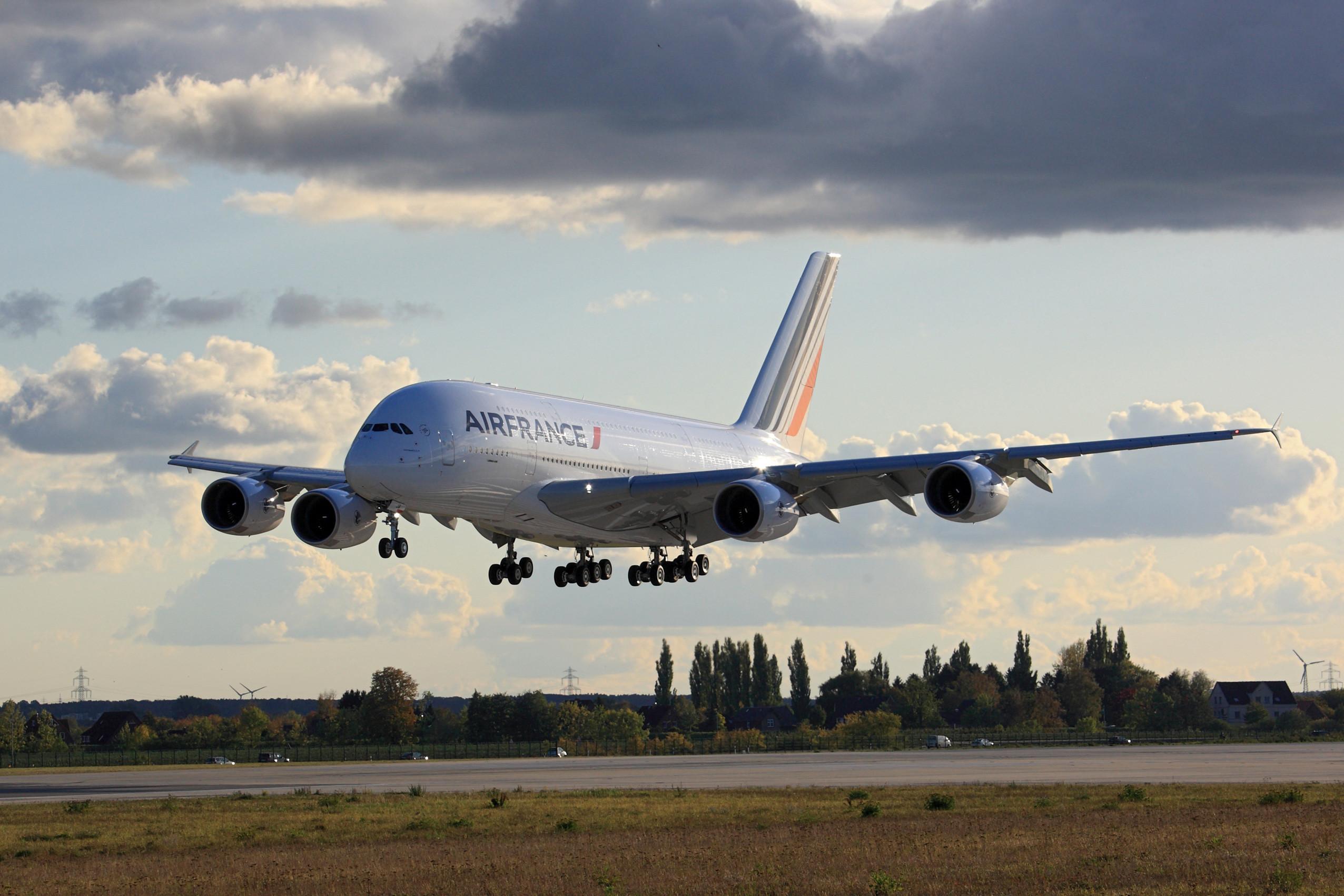 Air France Airbus A380-800 Landing Gear Retracted Aircraft Wallpaper 3717