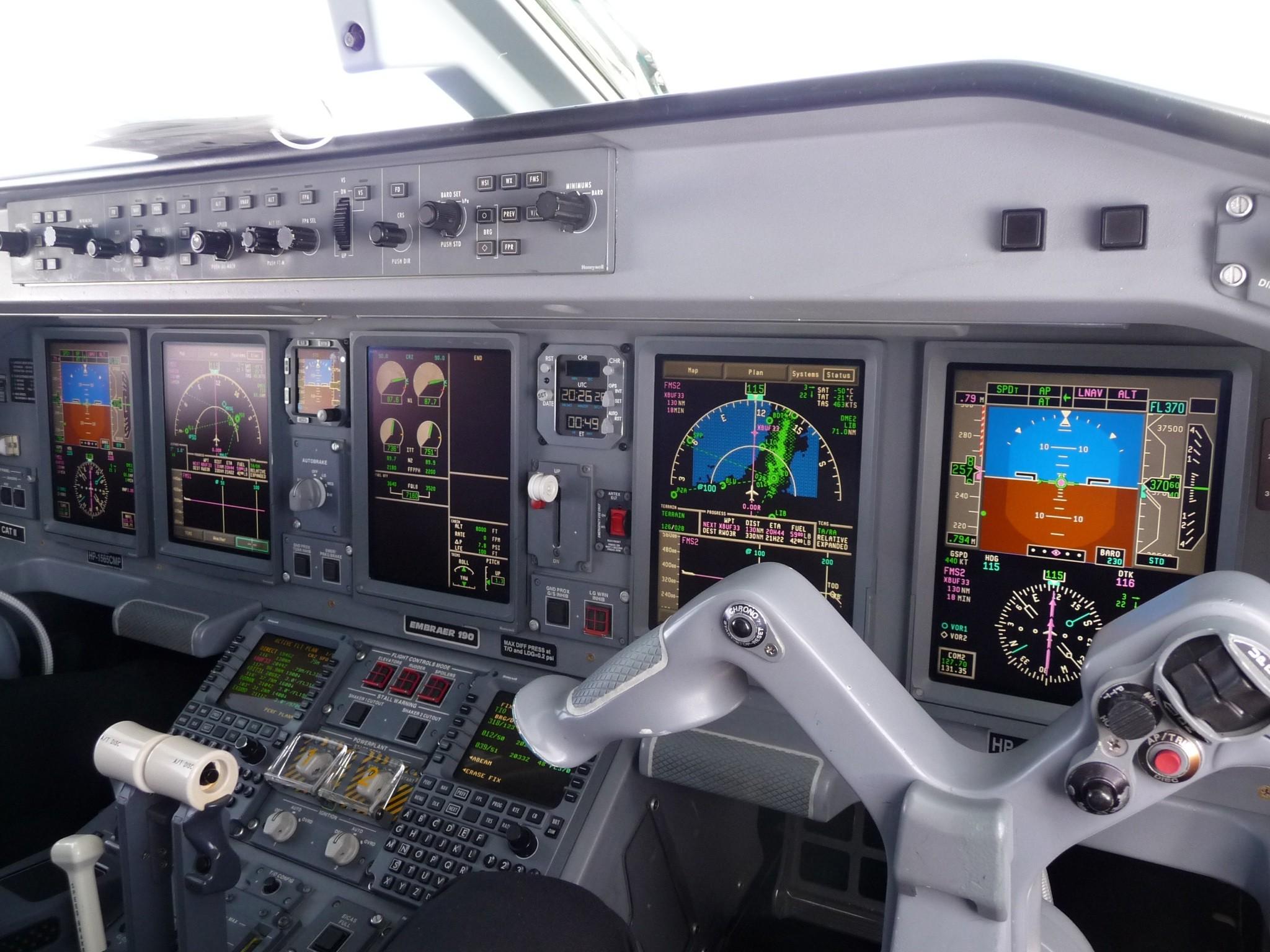 EMBRAER 190 cockpit.