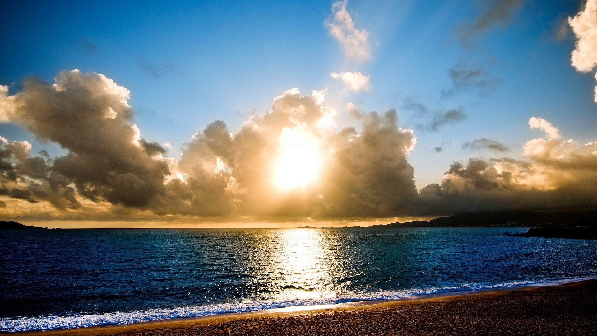 Wallpaper beach, sun, light, sea, lines, clouds, horizon