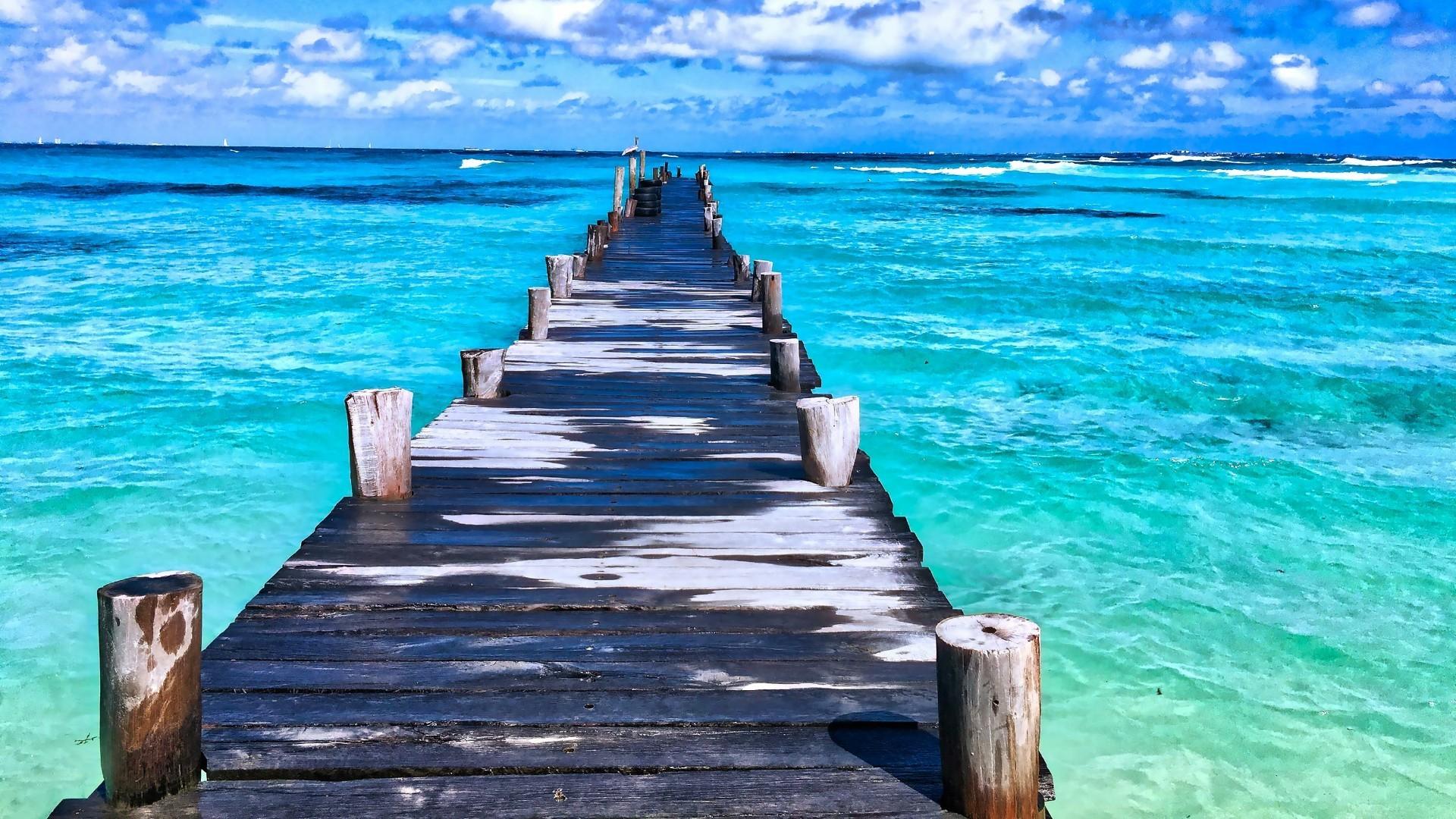 Title. Paradise Beach – Mexico