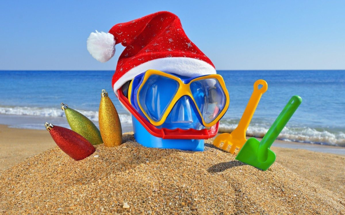 Cute Merry Christmas Beach Desktop Wallpaper ~ urbanrabbits.eu
