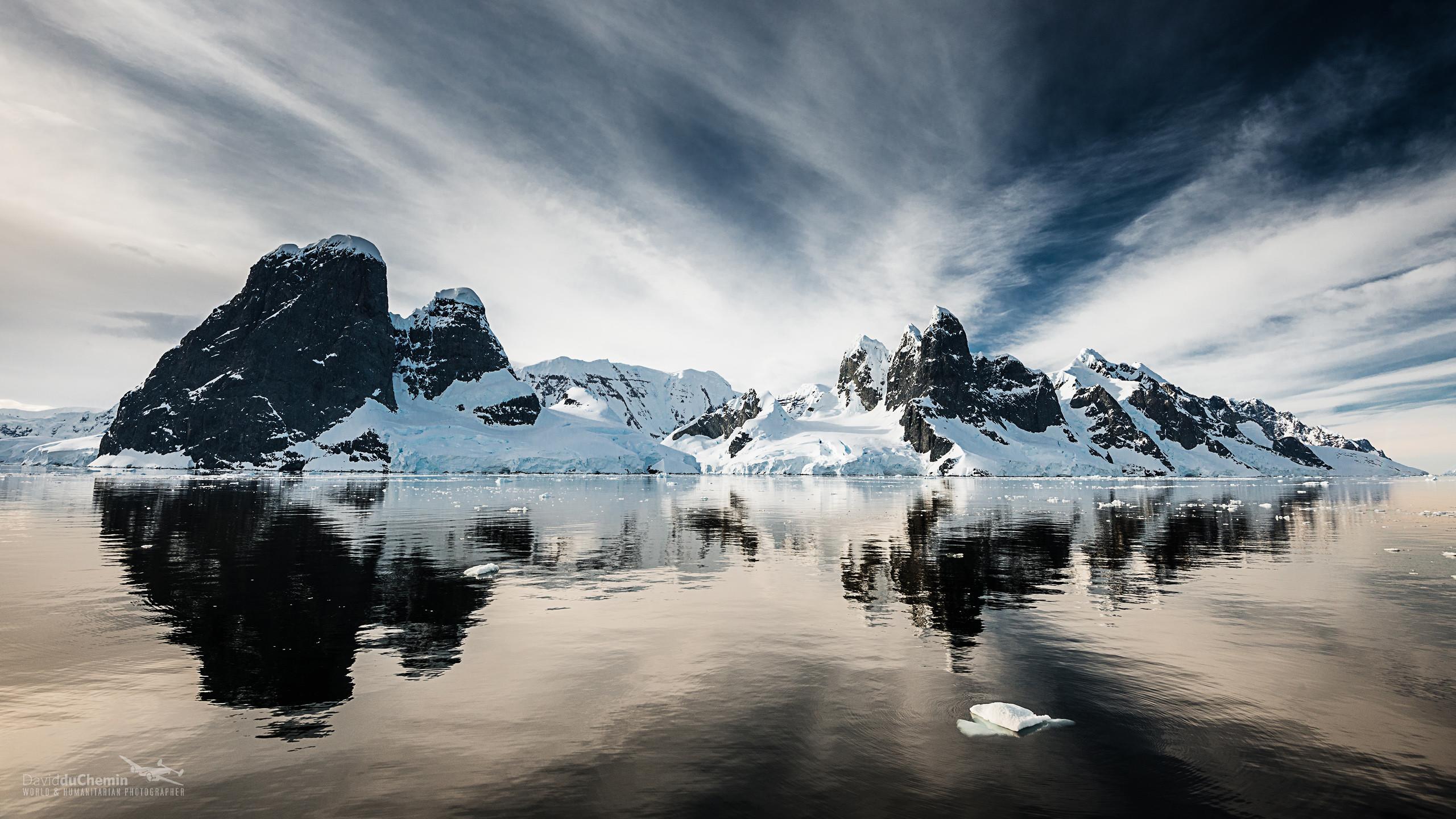 Beautiful Antarctica Large Screen Wallpaper